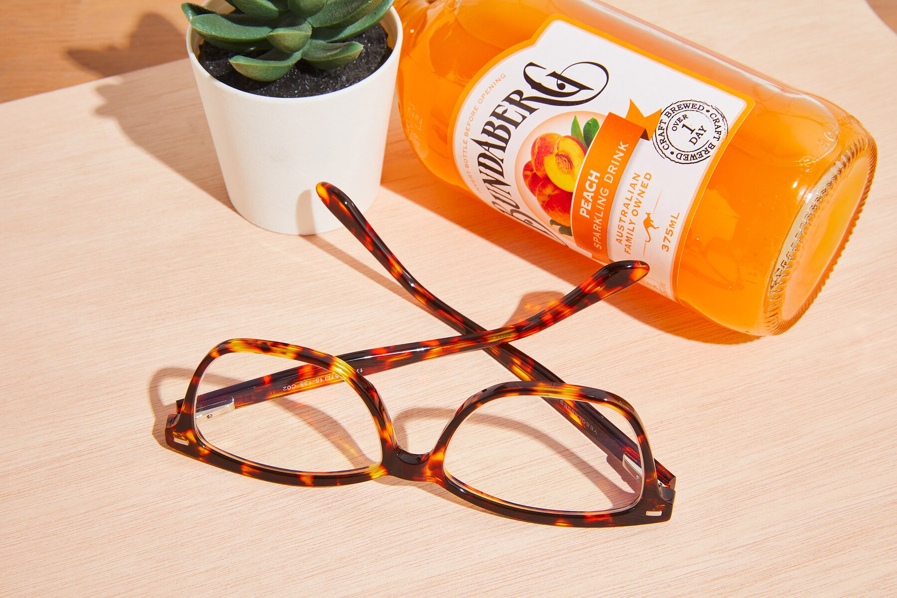 Lifestyle photography #2 of 17485 in Tortoise with Clear Eyeglass Lenses