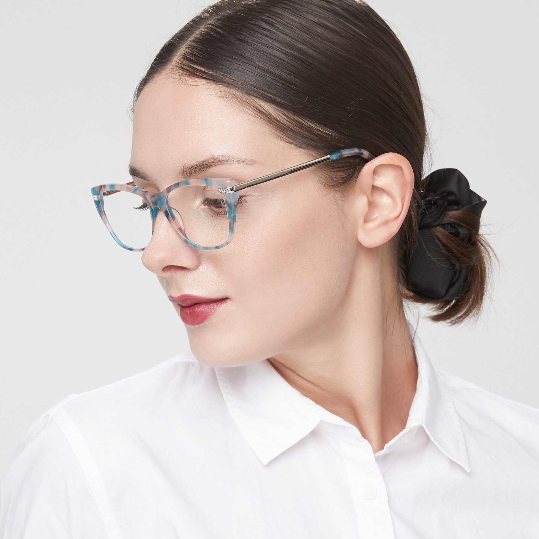 Women's lifestyle photography of 17515 in Floral with Clear Eyeglass Lenses