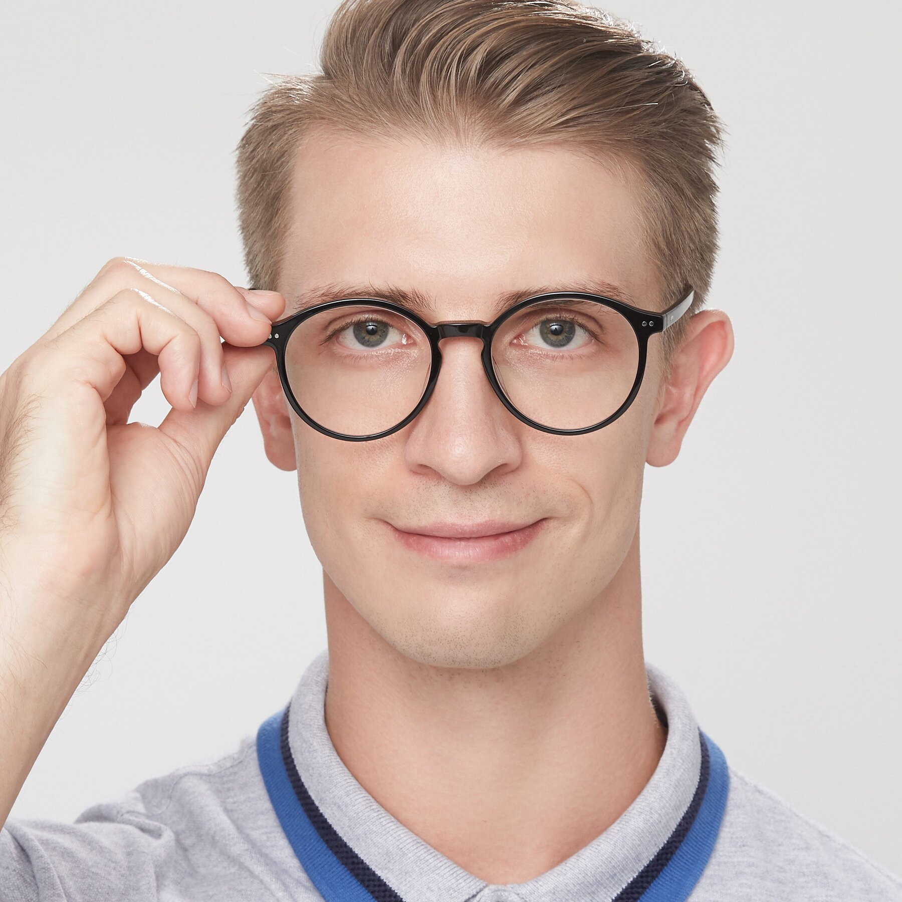 Men's lifestyle photography of 17571 in Black with Clear Eyeglass Lenses