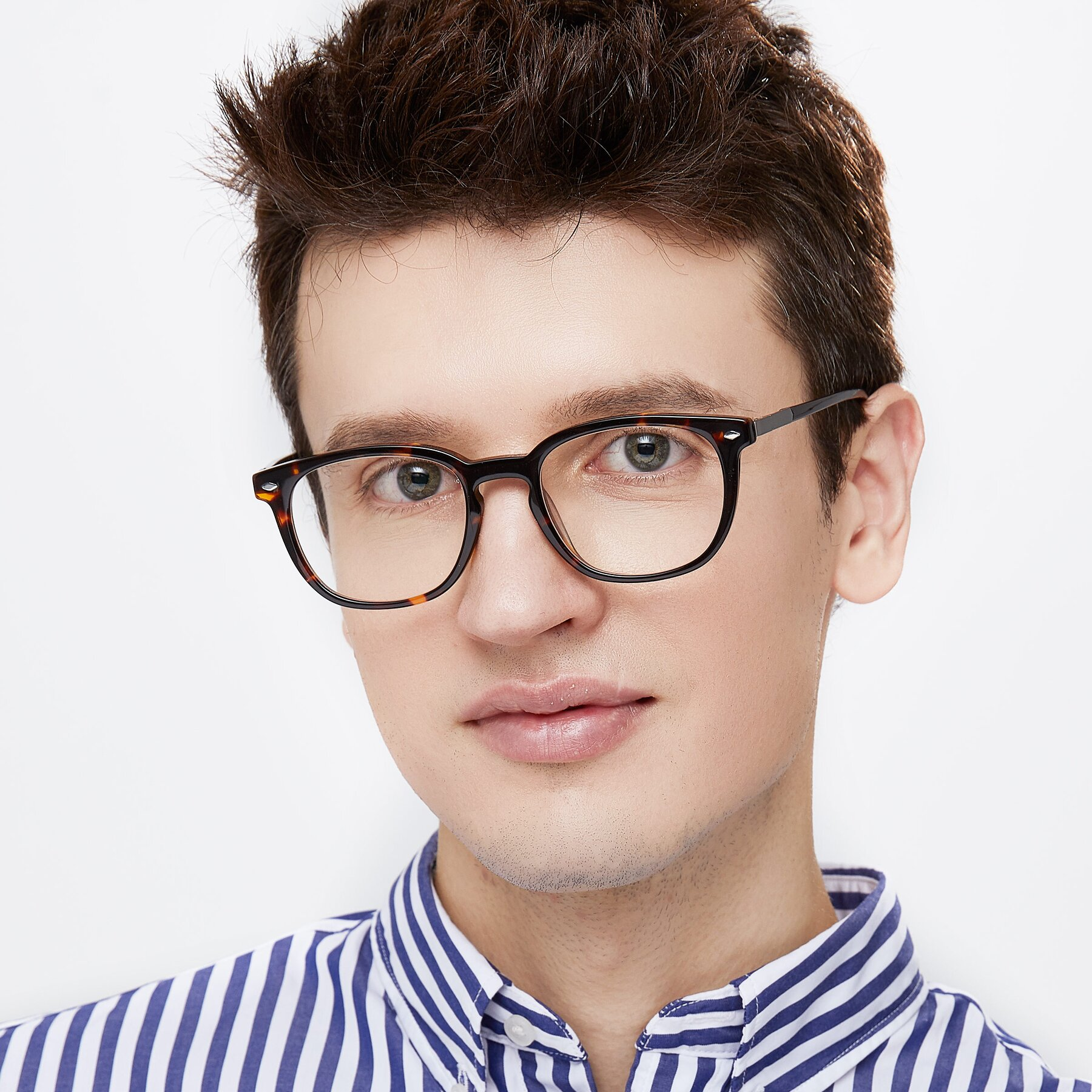 Men's lifestyle photography of 17578 in Tortoise with Clear Blue Light Blocking Lenses