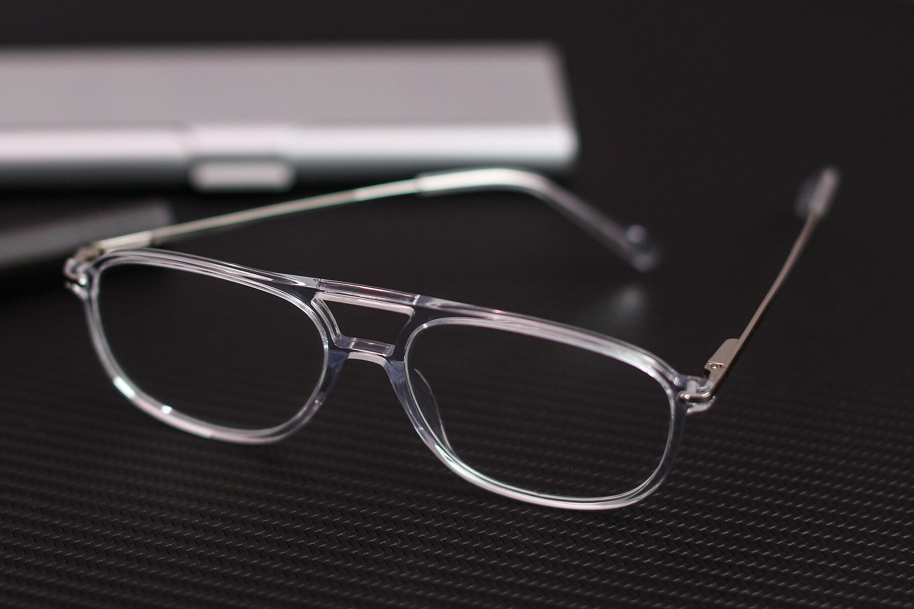 Lifestyle photography #2 of 17580 in Clear with Clear Eyeglass Lenses