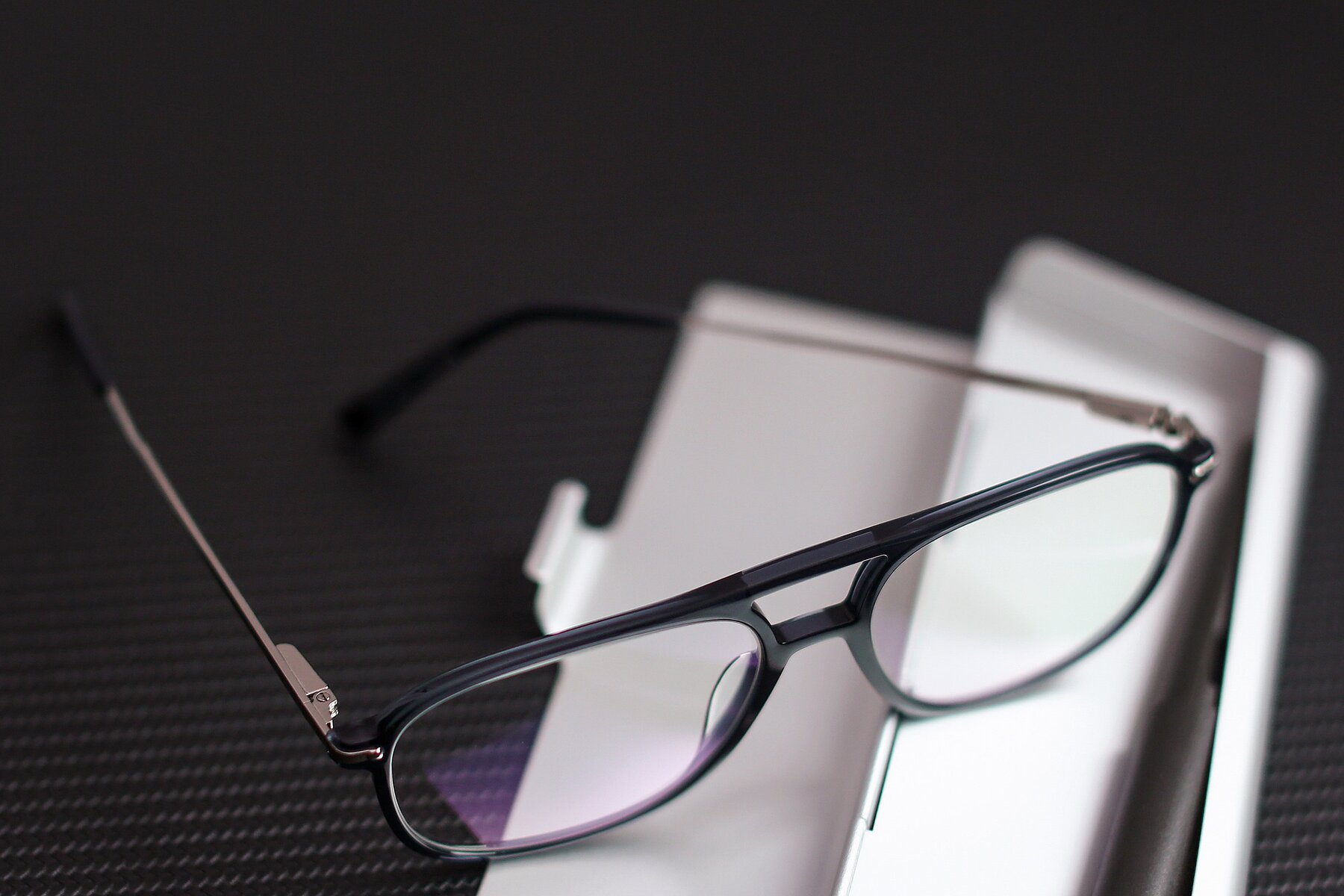 Lifestyle photography #3 of 17580 in Dark Bluish Gray with Clear Blue Light Blocking Lenses