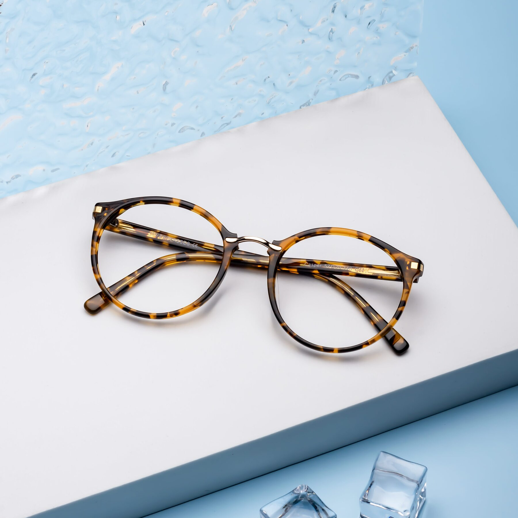 Lifestyle photography #2 of 17582 in Tortoise with Clear Eyeglass Lenses