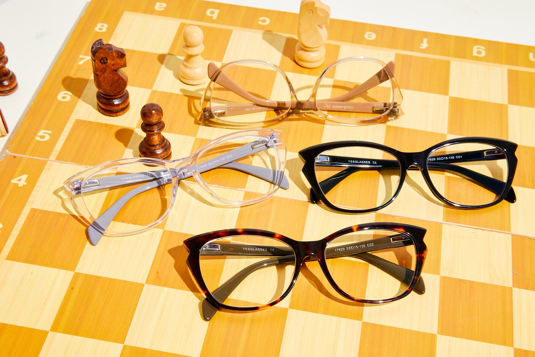 Women's lifestyle photography #4 of 17629 in Tortoise with Clear Eyeglass Lenses