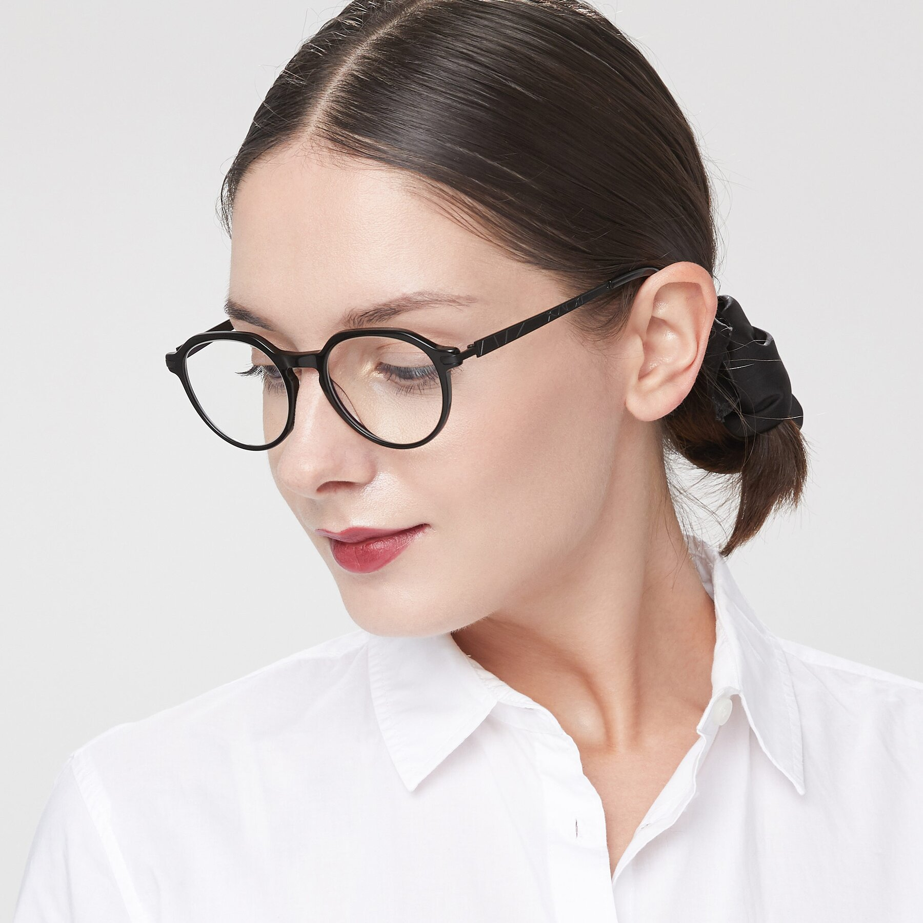 Women's lifestyle photography of 17643 in Black with Clear Eyeglass Lenses