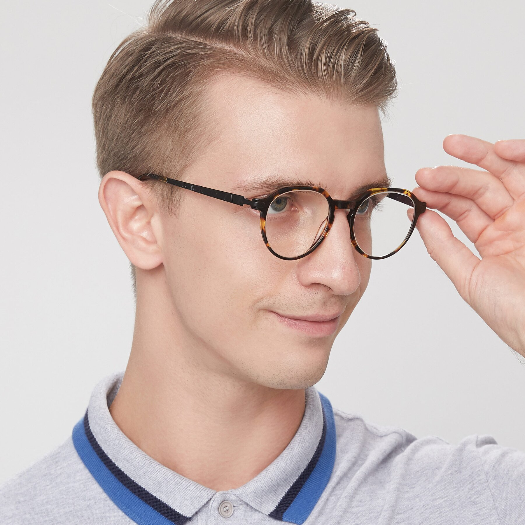 Men's lifestyle photography of 17643 in Tortoise with Clear Eyeglass Lenses