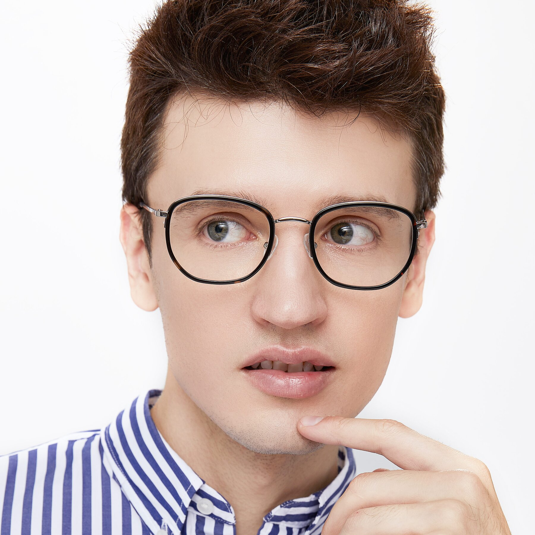 Men's lifestyle photography of 17702 in Sliver-Tortoise with Clear Blue Light Blocking Lenses