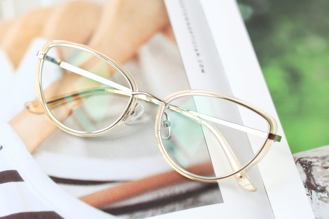 Transparent Caramel-Silver Retro-Vintage Metal Bridge Cat-Eye Eyeglasses