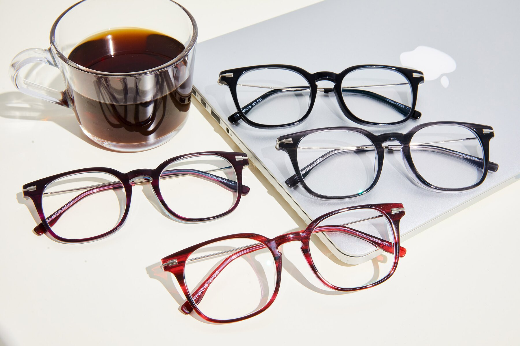 Lifestyle photography #4 of 17711 in Wine with Clear Eyeglass Lenses