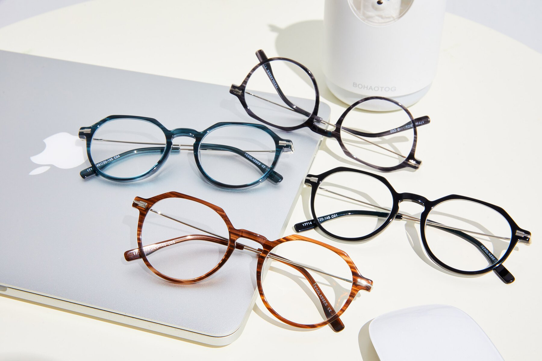 Lifestyle photography #4 of 17714 in Stripe Brown with Clear Eyeglass Lenses