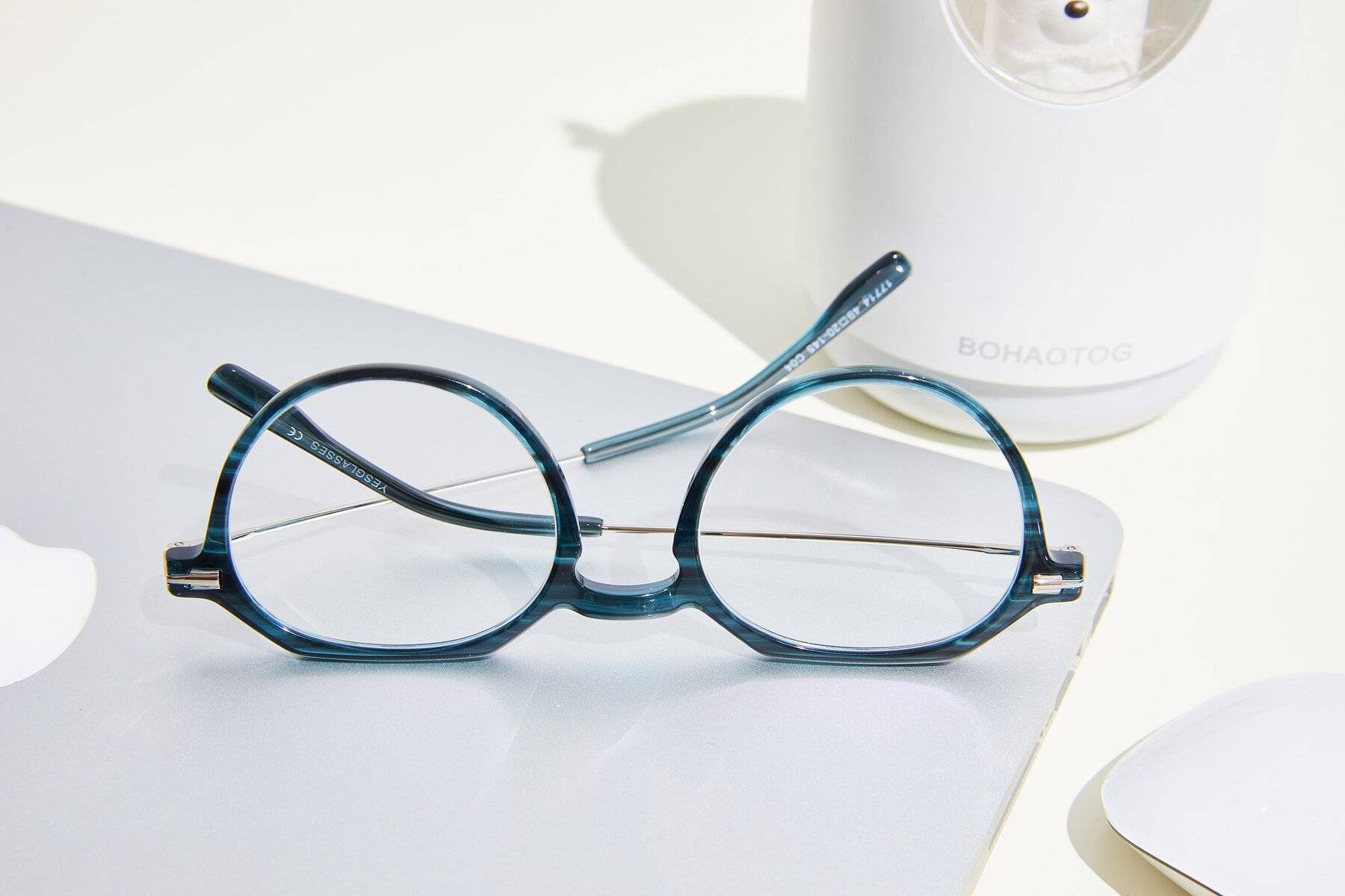 Lifestyle photography #2 of 17714 in Stripe Blue with Clear Blue Light Blocking Lenses