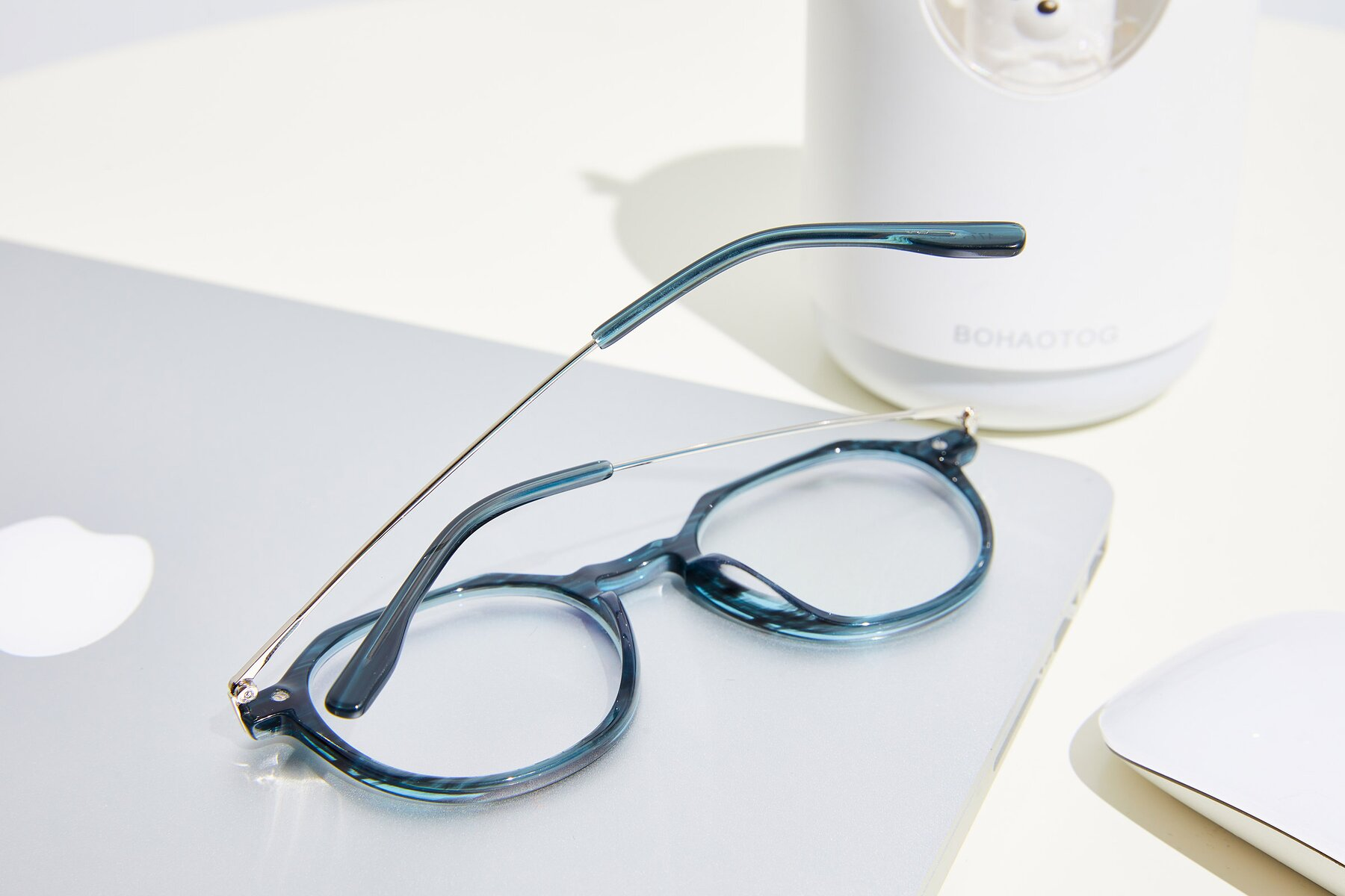 Lifestyle photography #3 of 17714 in Stripe Blue with Clear Blue Light Blocking Lenses