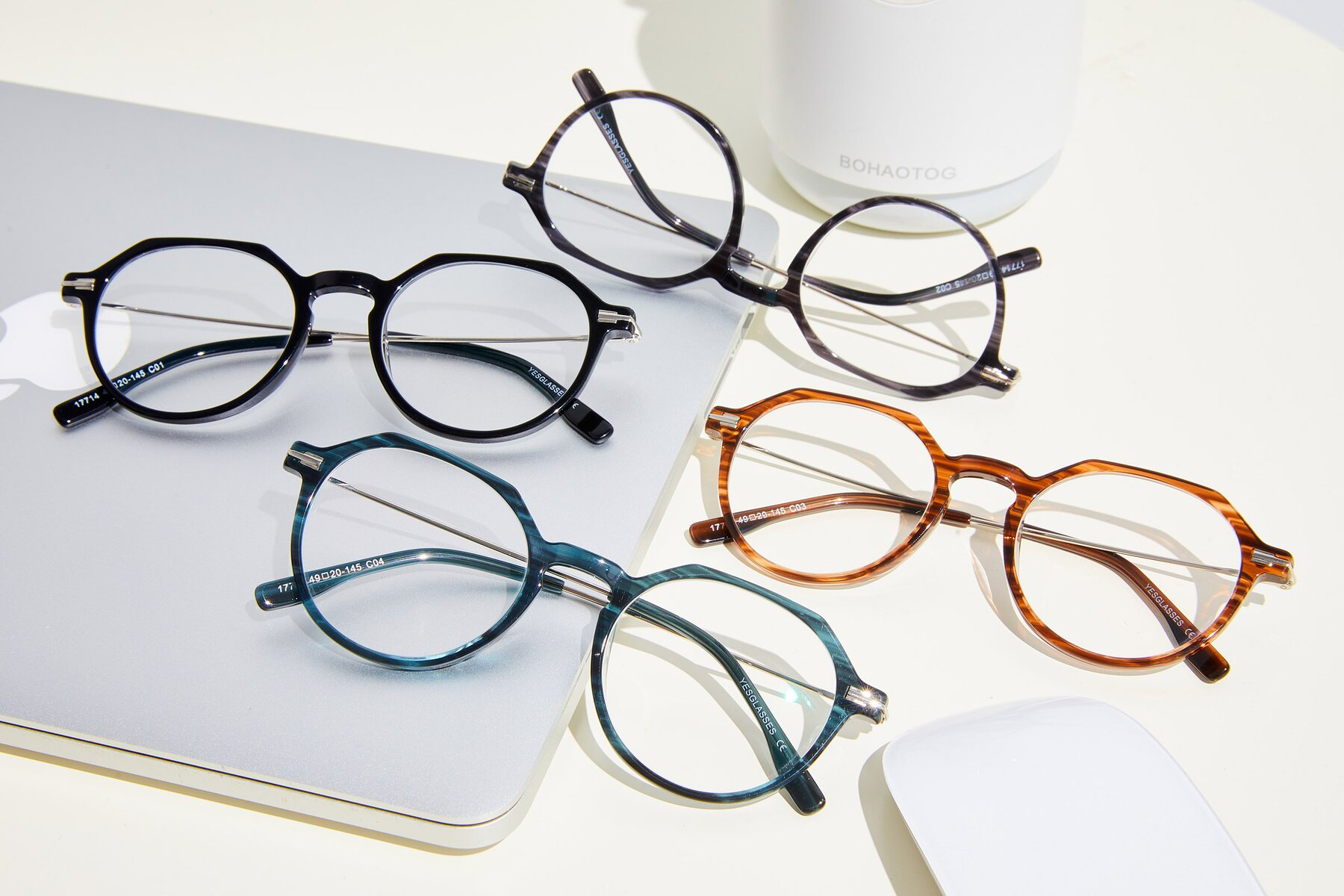 Lifestyle photography #4 of 17714 in Stripe Blue with Clear Blue Light Blocking Lenses