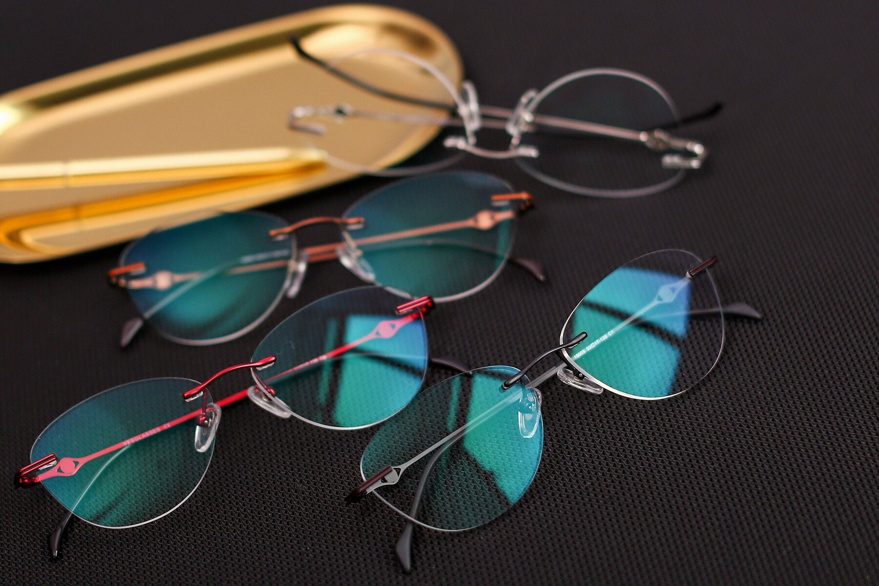 Lifestyle photography #4 of 19005 in Black with Clear Blue Light Blocking Lenses