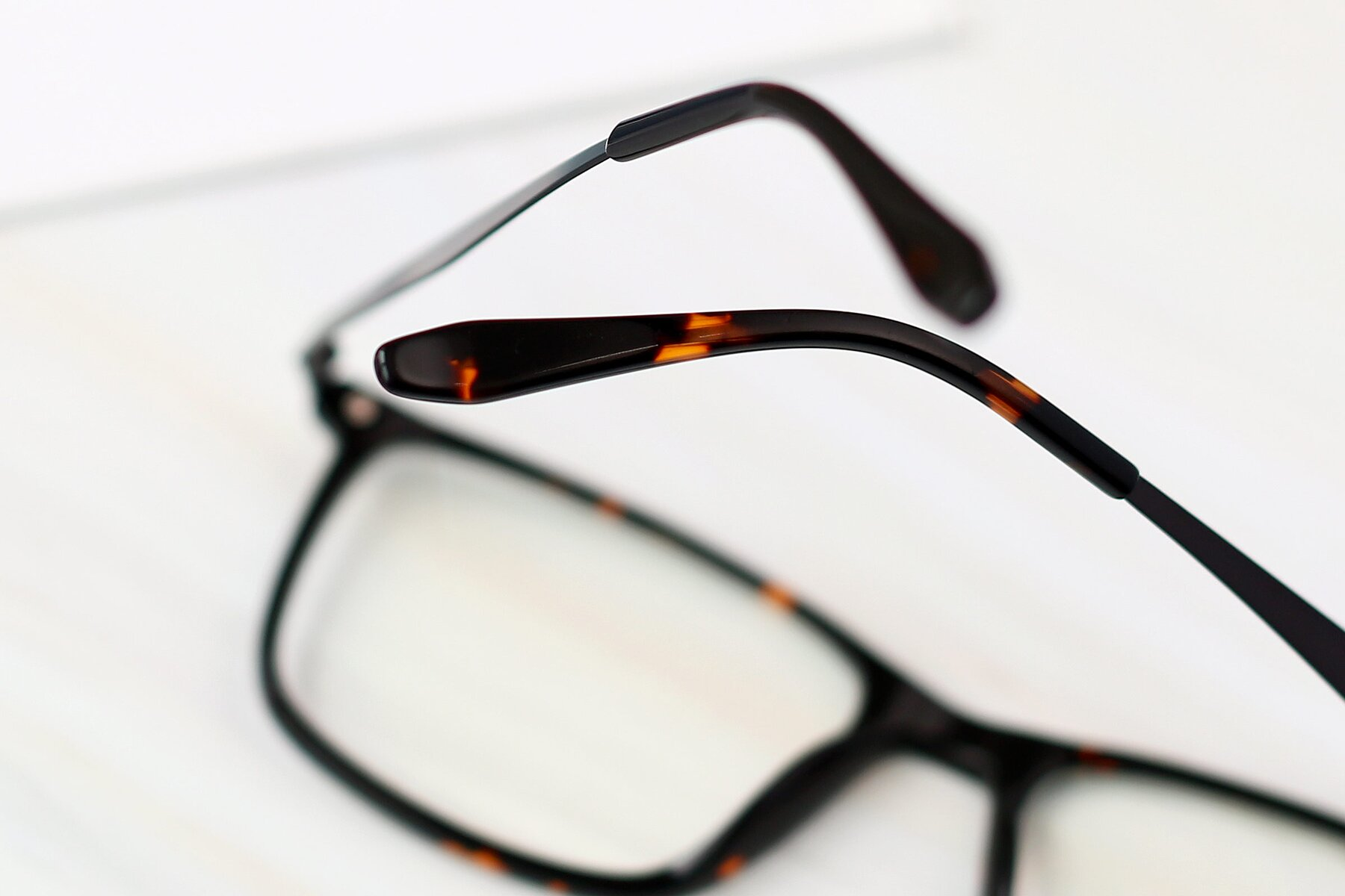 Lifestyle photography #3 of T002 in Tortoise with Clear Eyeglass Lenses