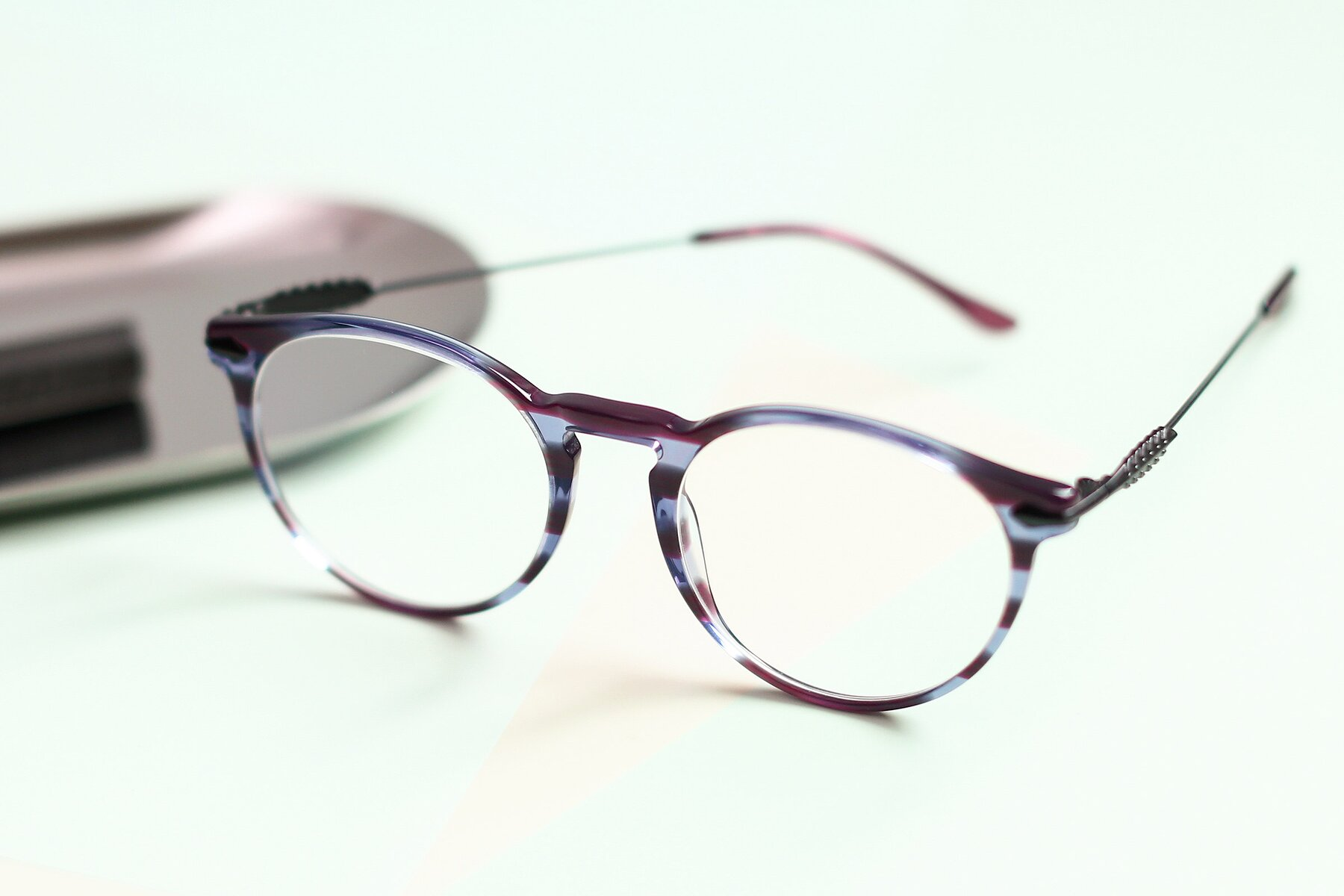 Lifestyle photography #2 of 17660 in Stripe Purple with Clear Blue Light Blocking Lenses
