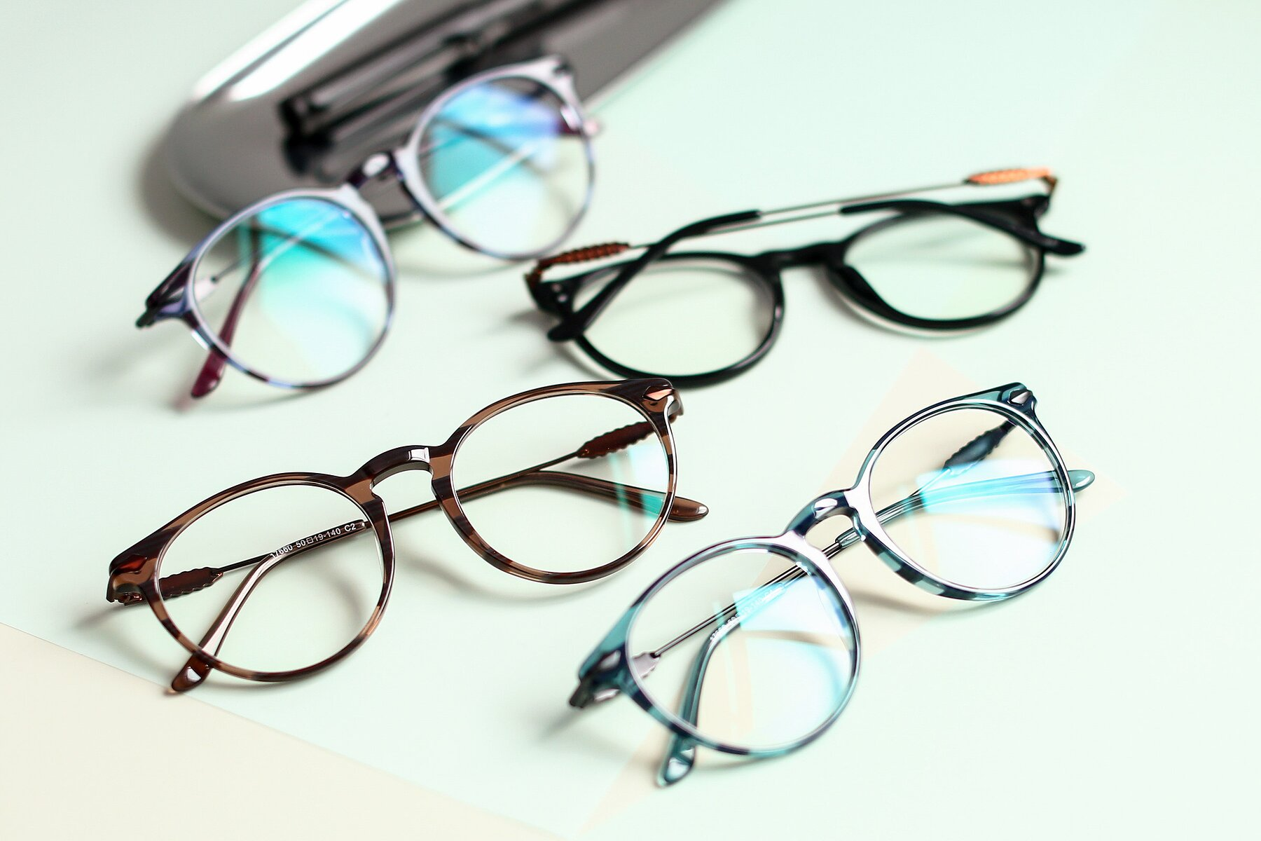 Lifestyle photography #4 of 17660 in Stripe Blue with Clear Blue Light Blocking Lenses