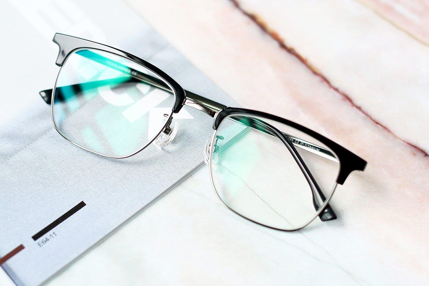 Black-Gun Classic Browline Titanium Eyeglasses