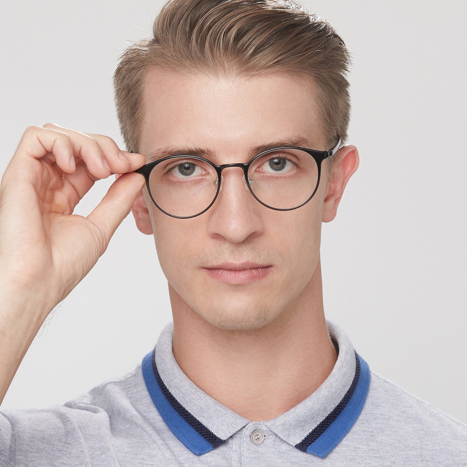 Men's lifestyle photography of S7027 in Black with Clear Eyeglass Lenses