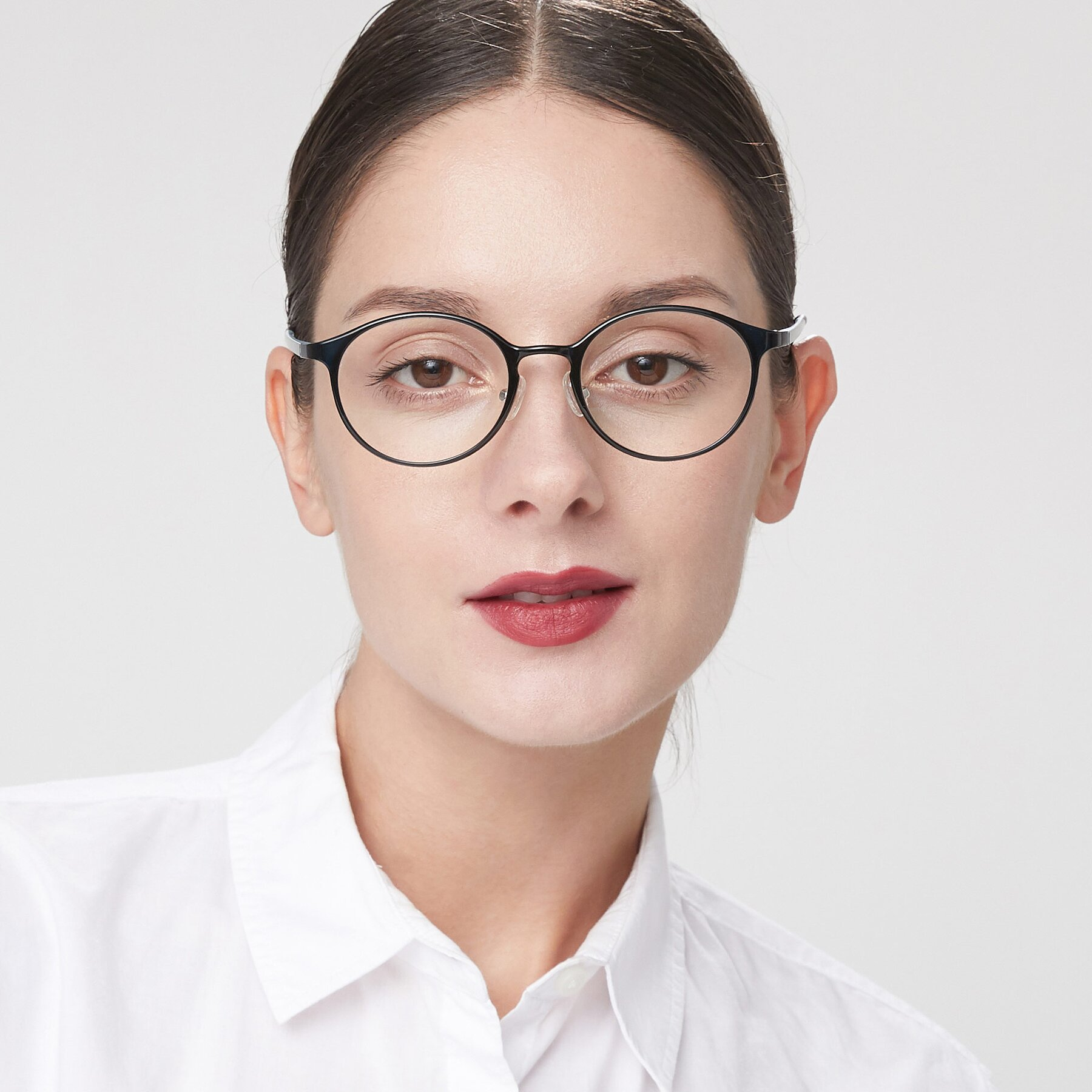 Women's lifestyle photography of S7039 in Black-Blue with Clear Eyeglass Lenses