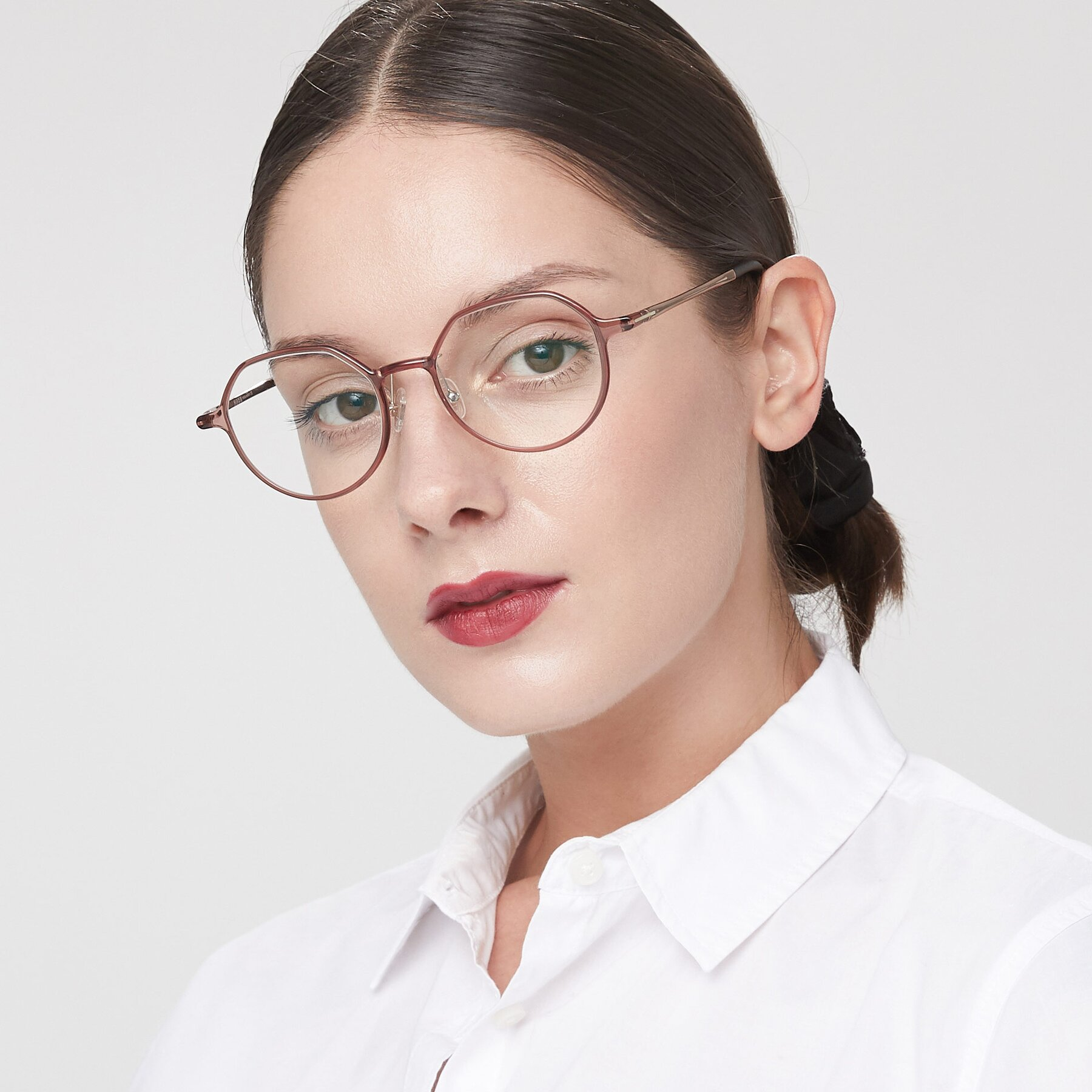 Women's lifestyle photography of IP7033 in Brown with Clear Eyeglass Lenses