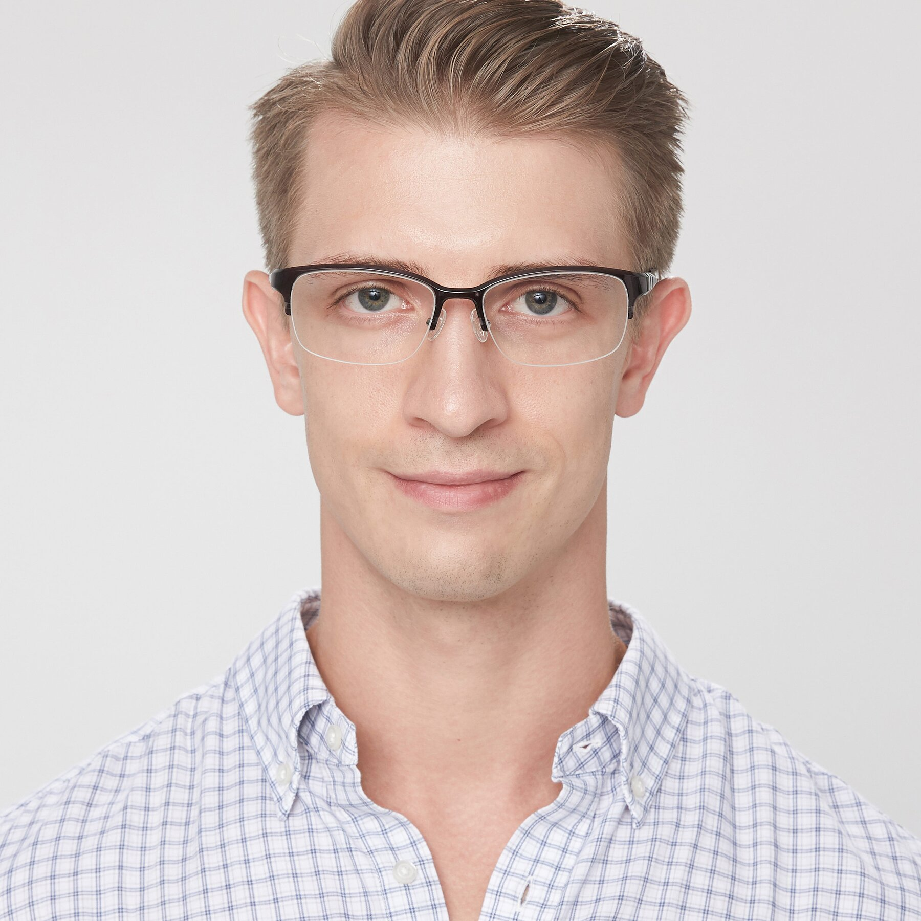 Men's lifestyle photography of S7043 in Gray with Clear Eyeglass Lenses
