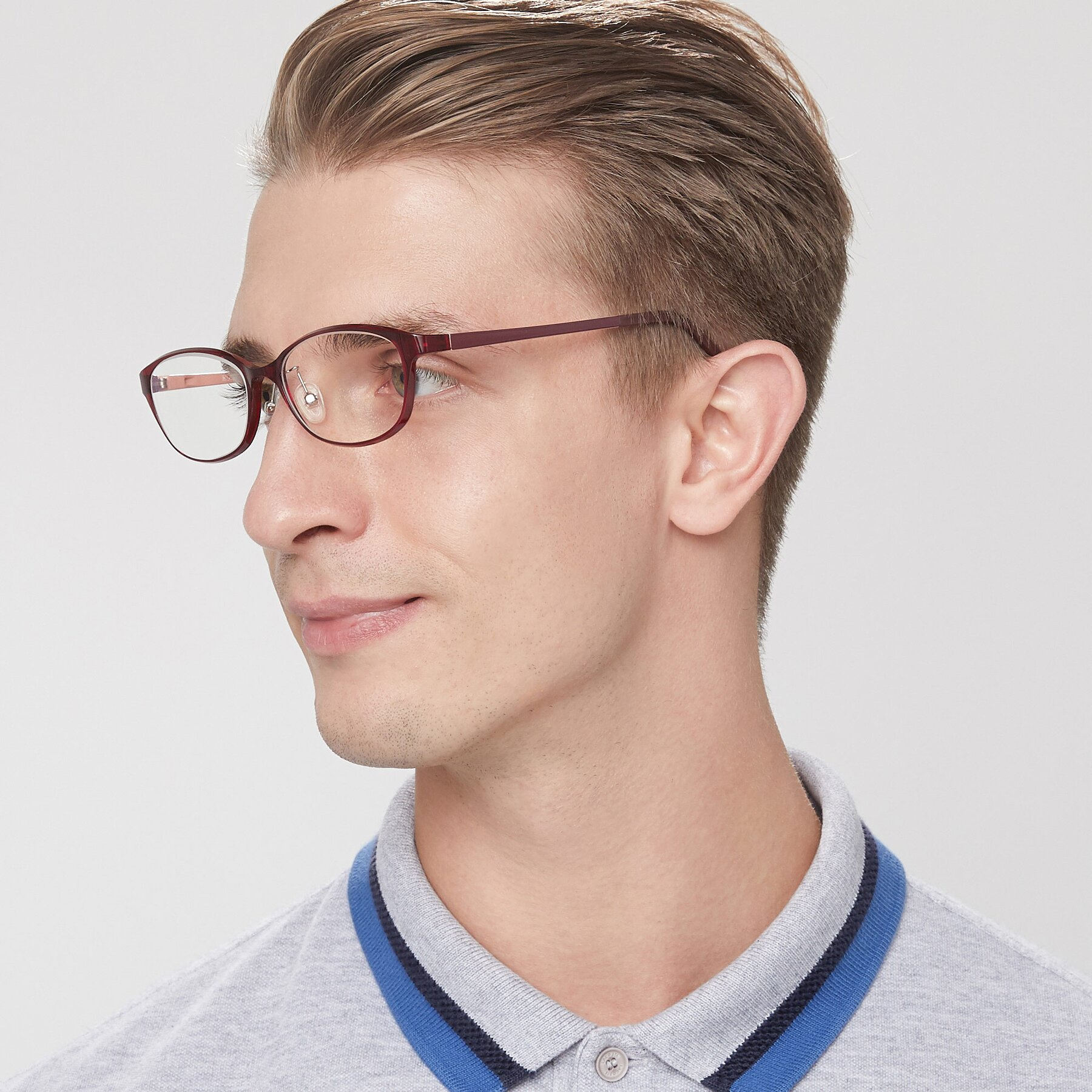 Men's lifestyle photography of S7040 in Burgendy with Clear Eyeglass Lenses