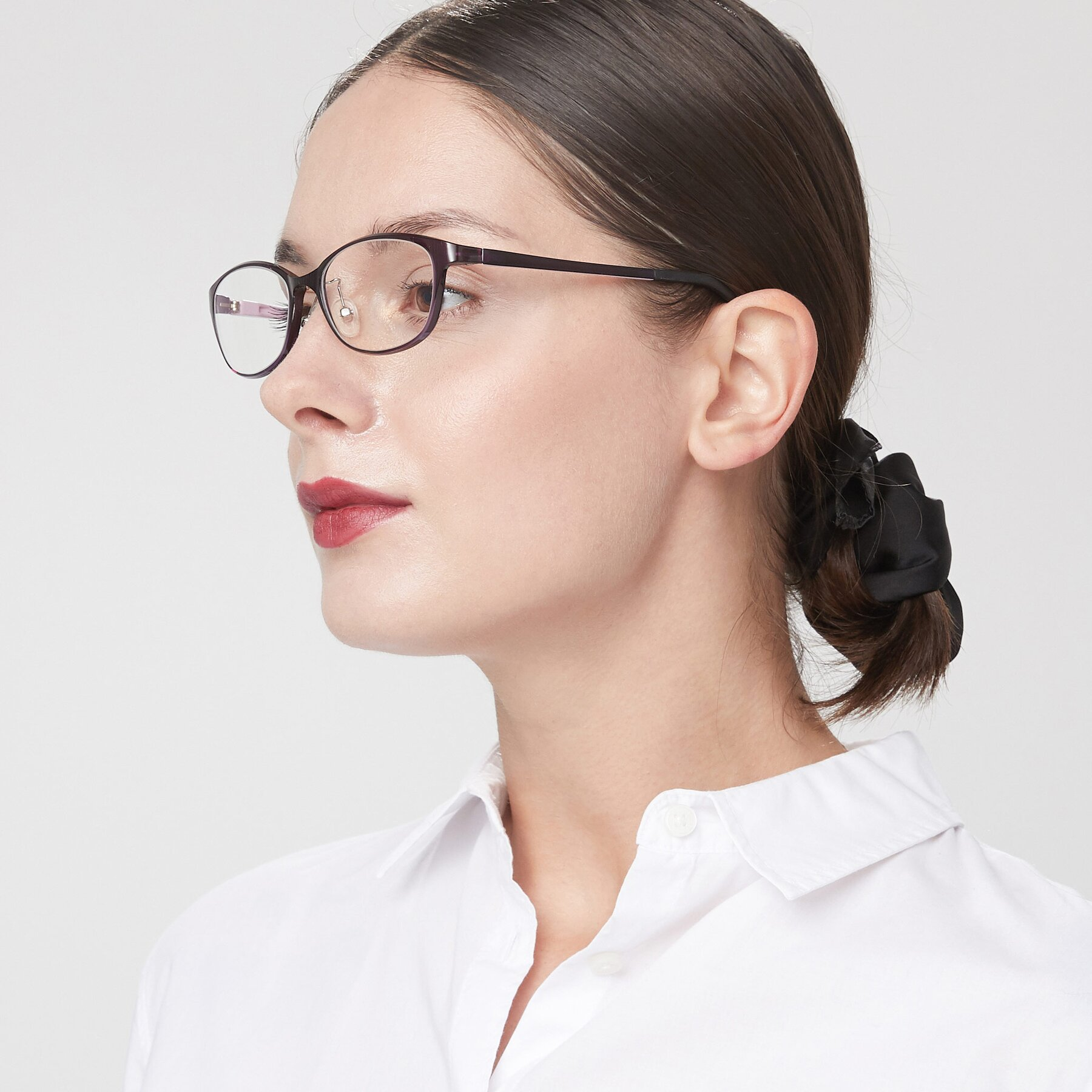 Women's lifestyle photography of S7040 in Brown-Pink with Clear Eyeglass Lenses