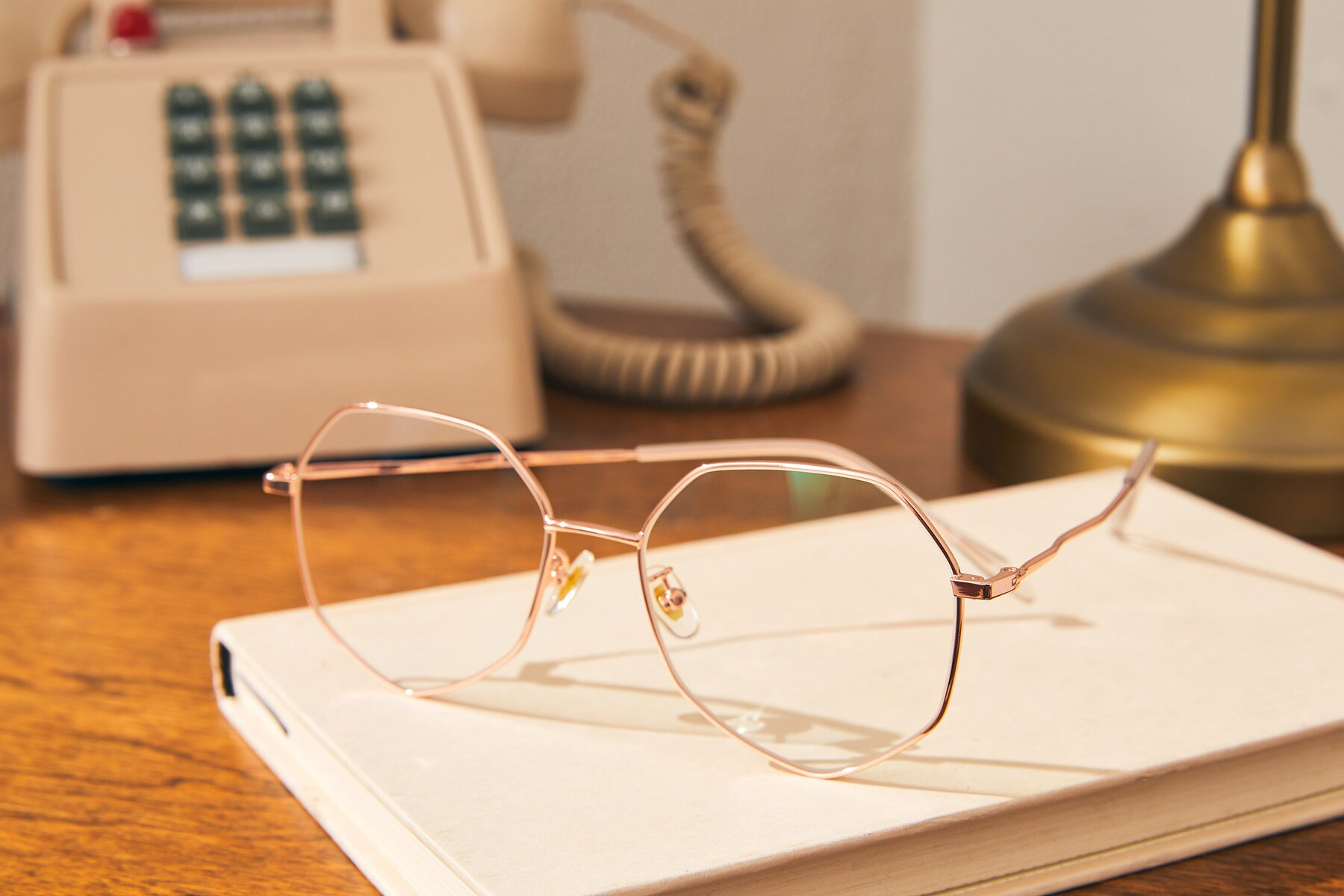 Lifestyle photography #2 of Sunshine in Rose Gold with Clear Eyeglass Lenses