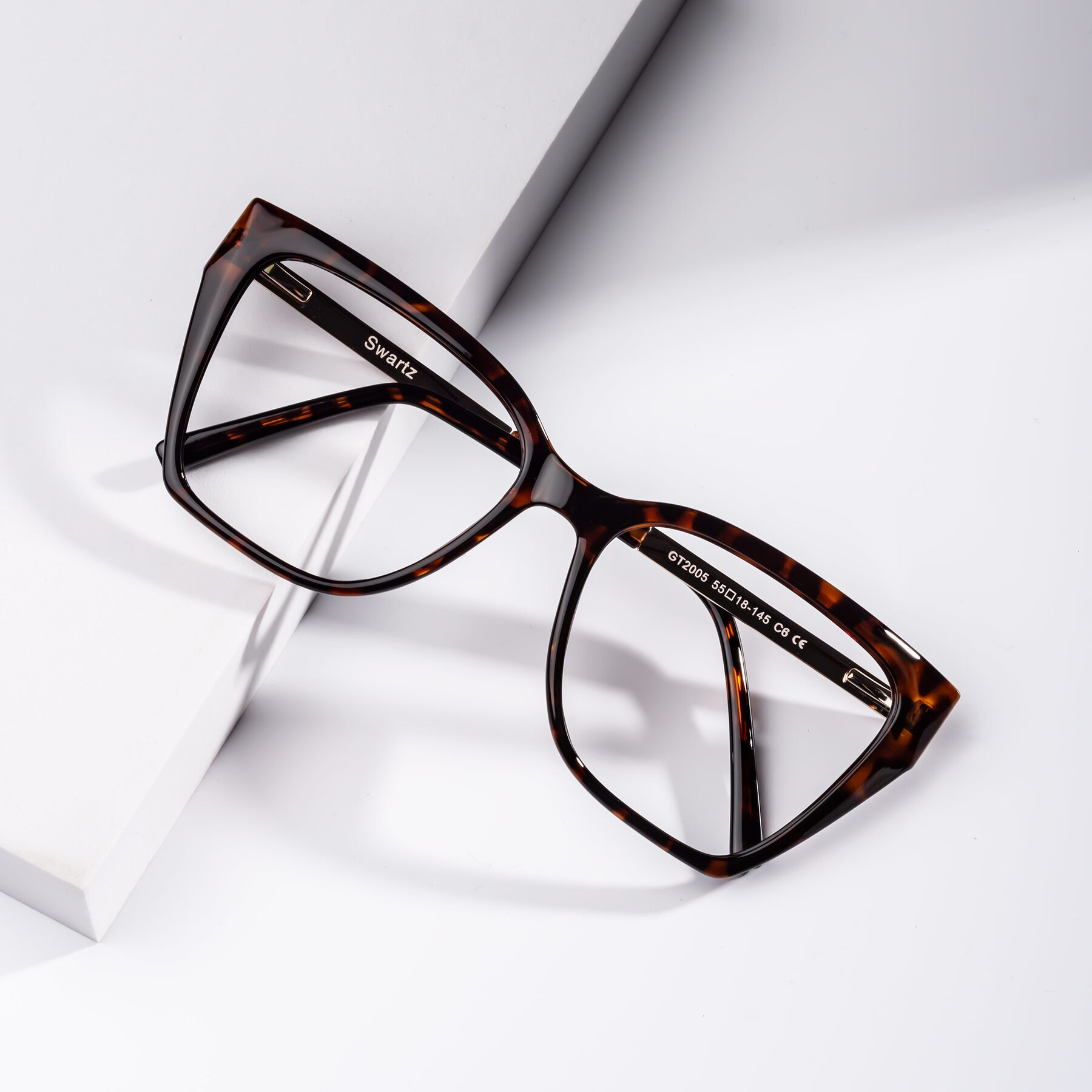 Women's lifestyle photography #1 of Swartz in Tortoise with Clear Blue Light Blocking Lenses