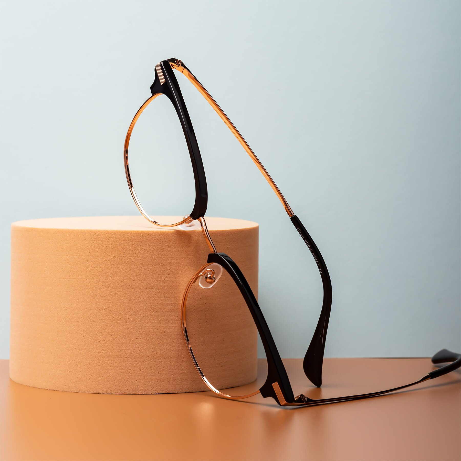 Lifestyle photography #1 of Olson in Black-Rose Gold with Clear Eyeglass Lenses