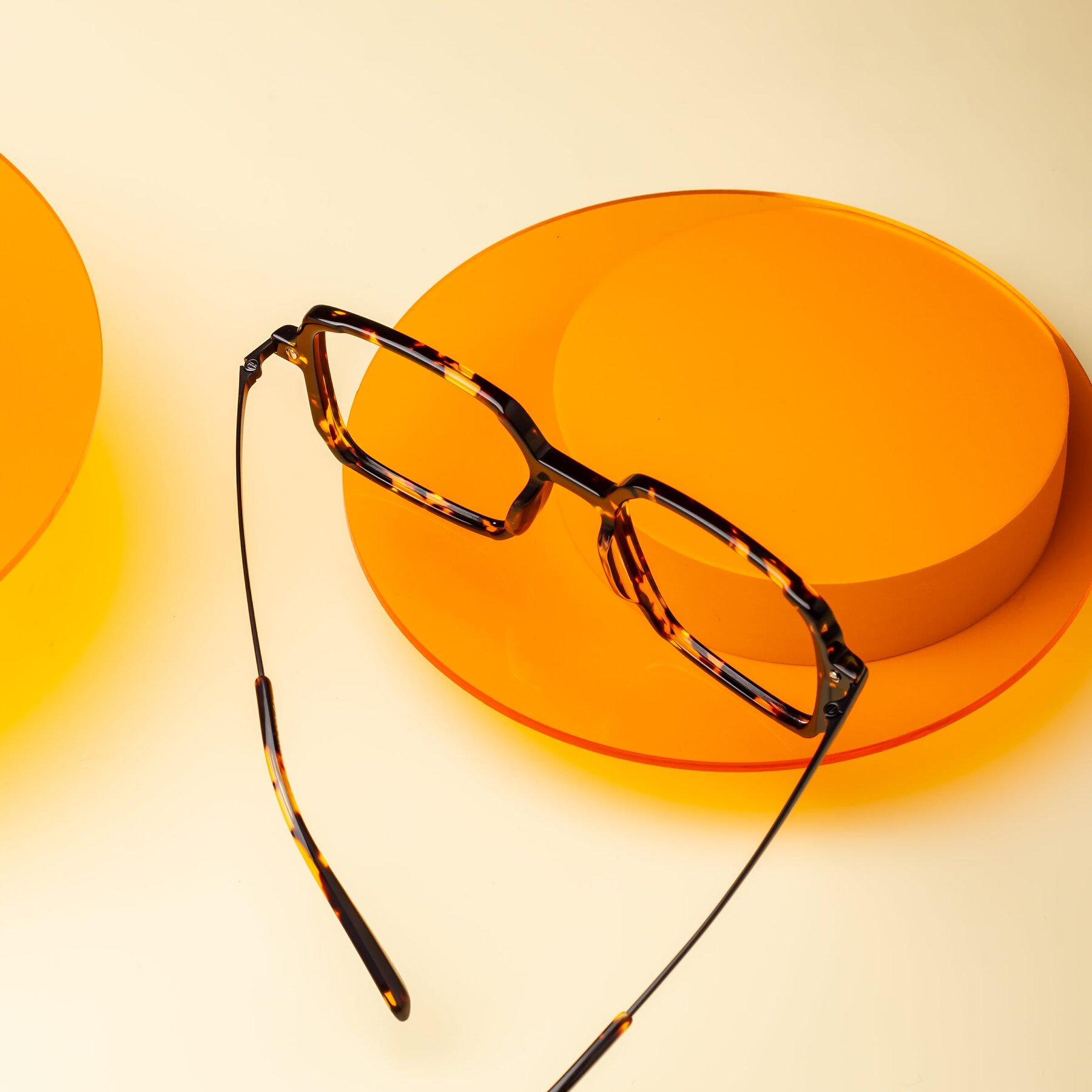 Lifestyle photography #2 of Darlene in Tortoise with Clear Blue Light Blocking Lenses