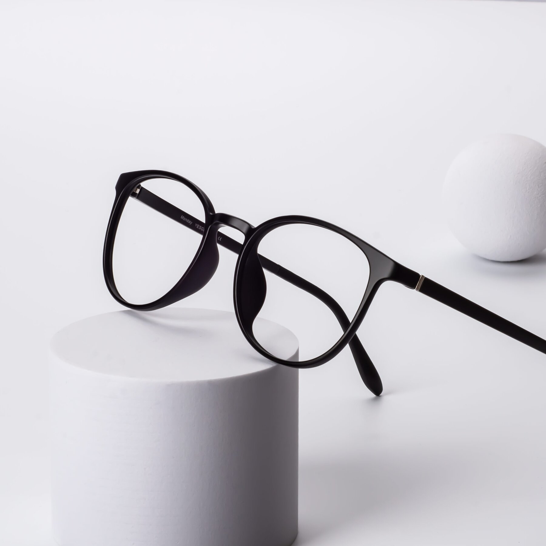 Lifestyle photography #2 of Monday in Matte Black with Clear Eyeglass Lenses