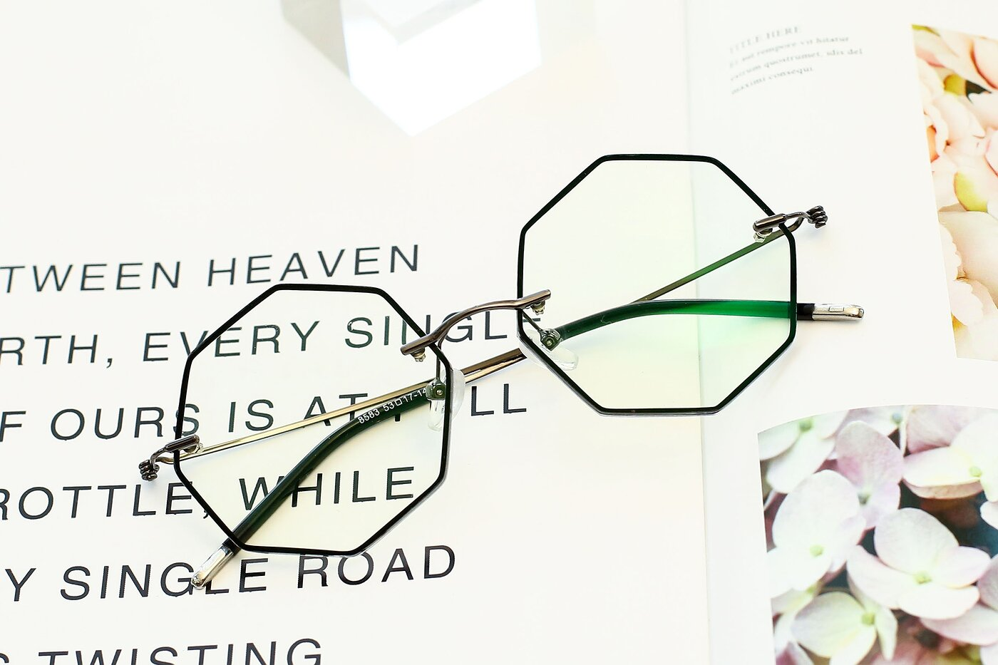 Black-Gun Hipster Geometric Color-Edged Rimless Eyeglasses