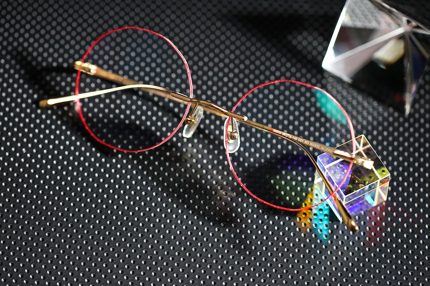 Gold-Red Geometric Round Color-Edged Rimless Eyeglasses