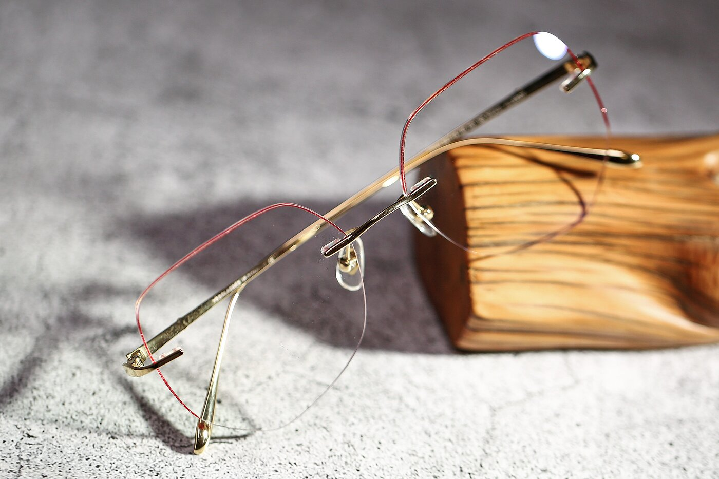 Gold-Red Oversized Titanium Color-Edged Rimless Eyeglasses
