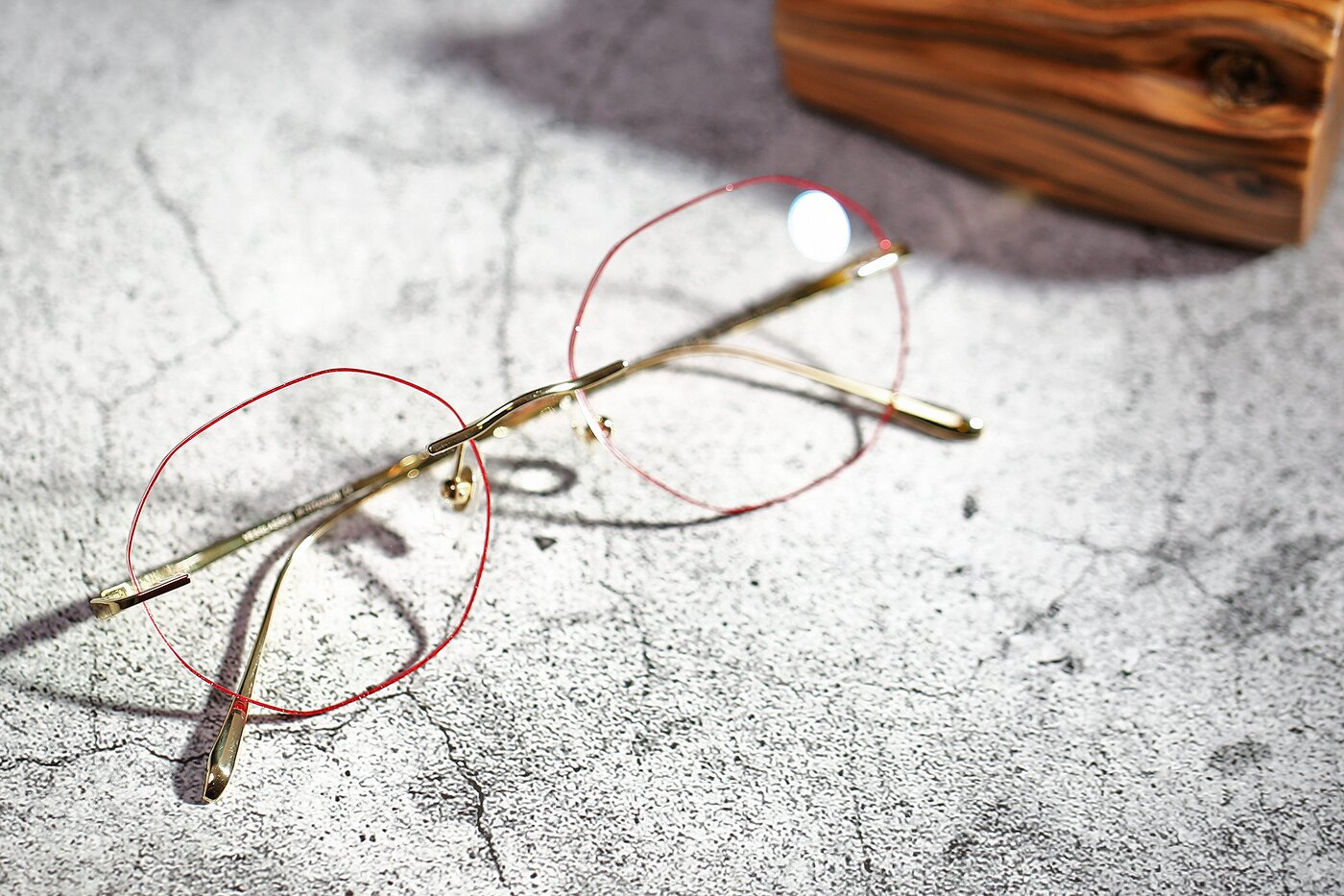 Gold-Red Titanium Geometric Color-Edged Rimless Eyeglasses
