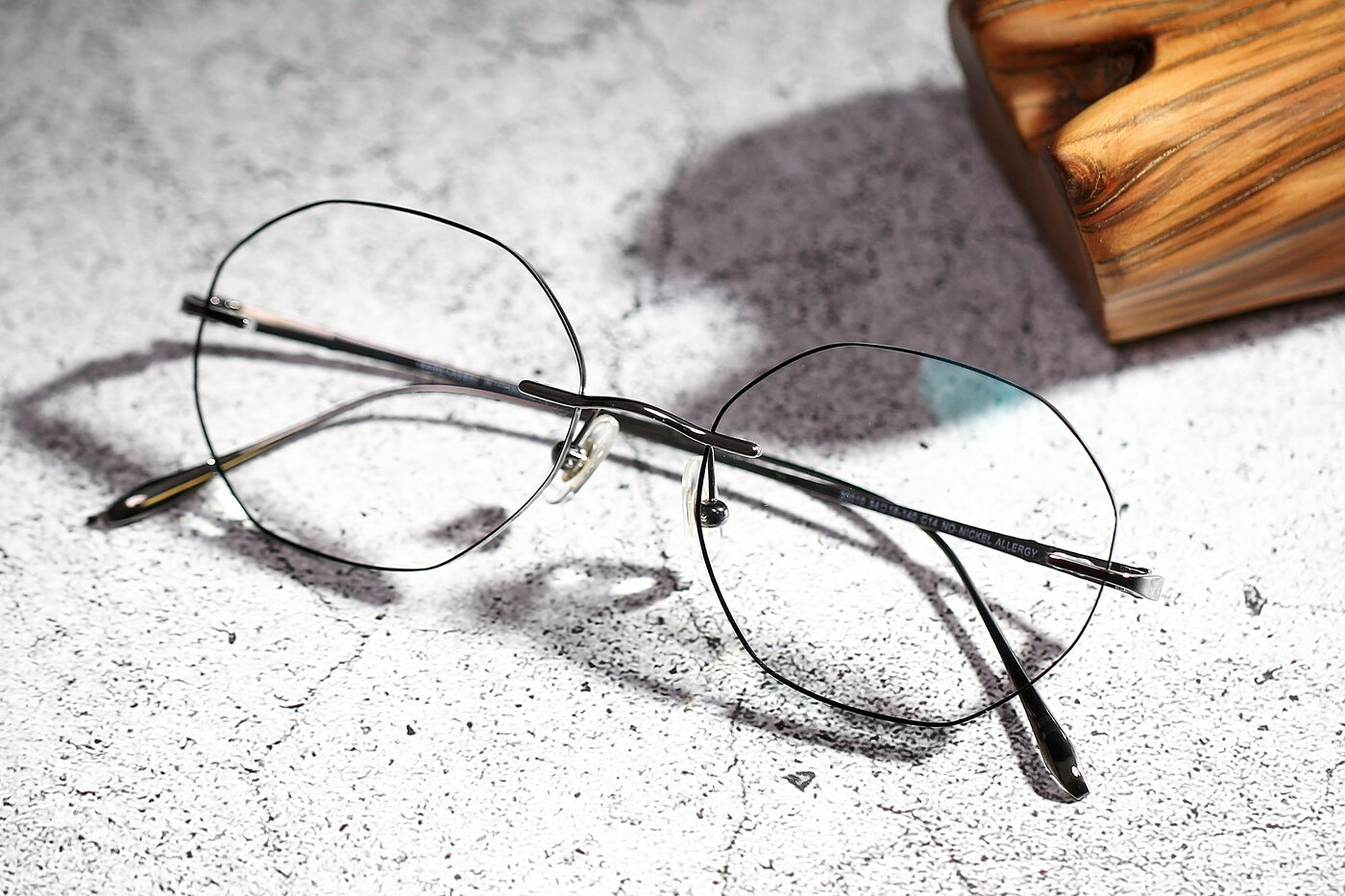 Gun-Black Titanium Geometric Color-Edged Rimless Eyeglasses