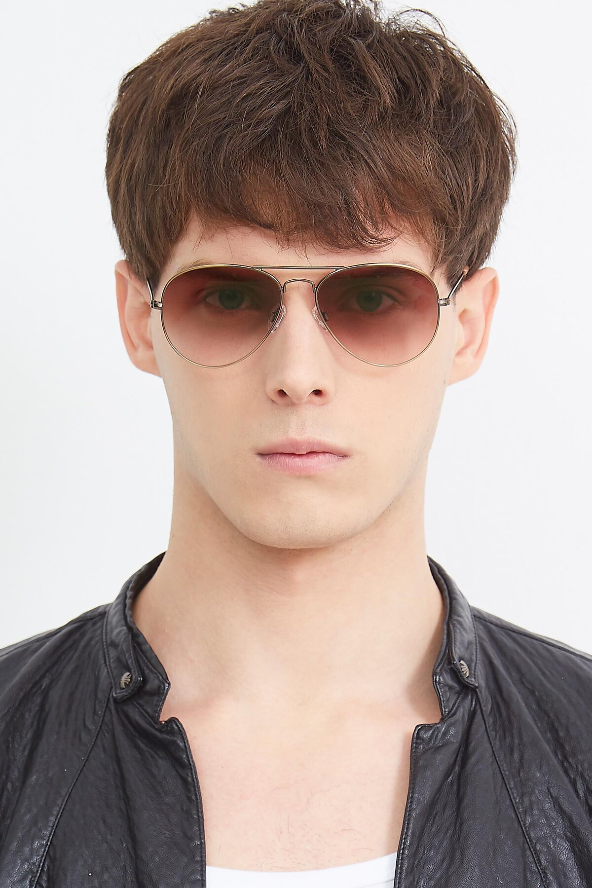 Men's lifestyle photography (portrait-1) of Yesterday in Antique Bronze with Brown Gradient Lenses