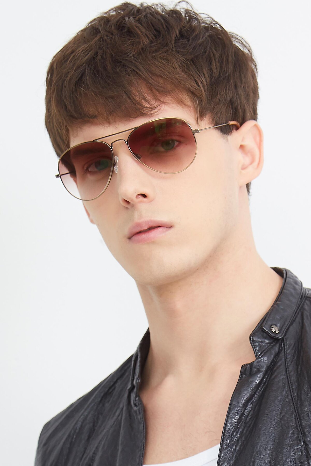 Men's lifestyle photography (portrait-2) of Yesterday in Antique Bronze with Brown Gradient Lenses