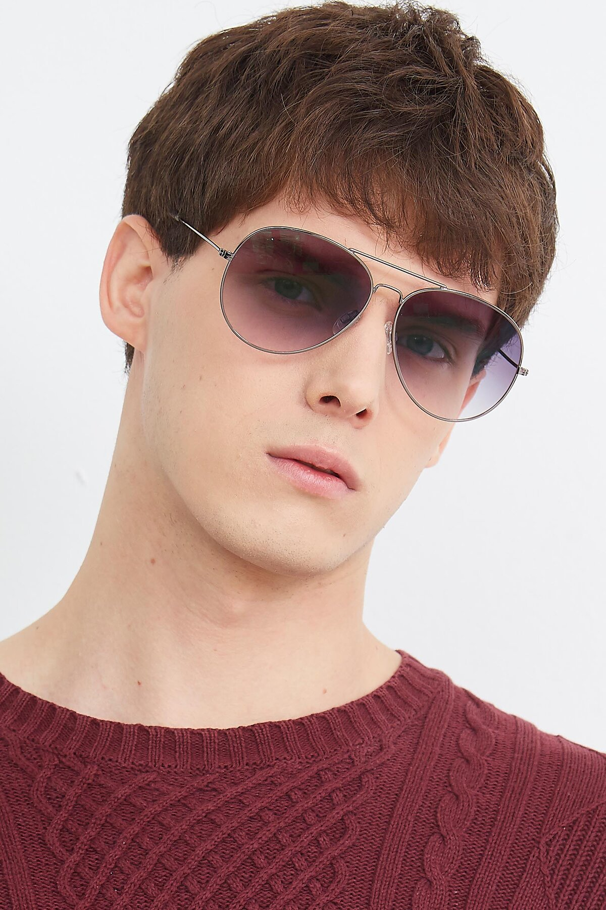 Men's lifestyle photography (portrait-2) of SSR179 in Gunmetal with Gray Gradient Lenses