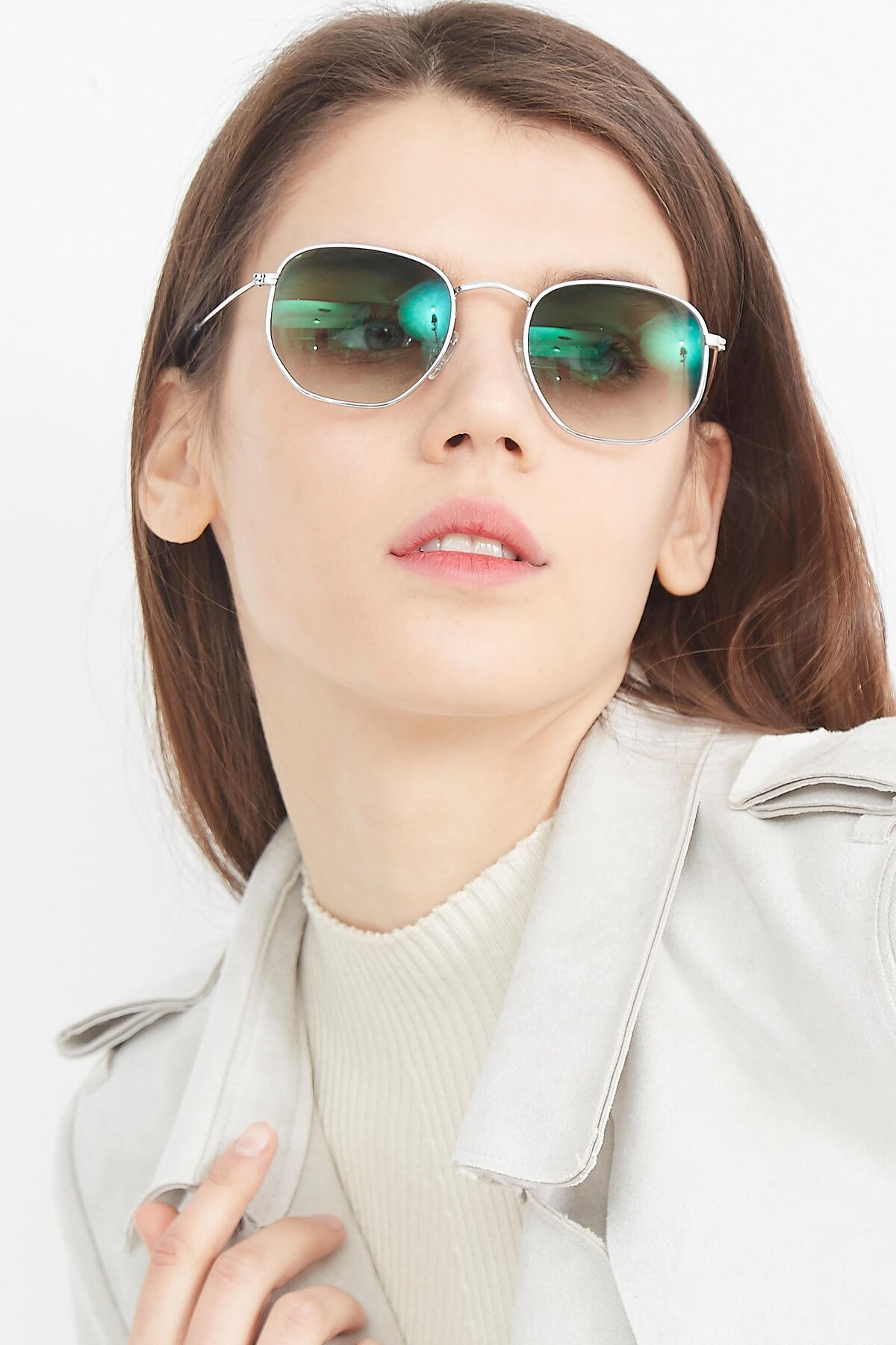 Women's lifestyle photography (portrait-1) of SSR1943 in Silver with Green Gradient Lenses