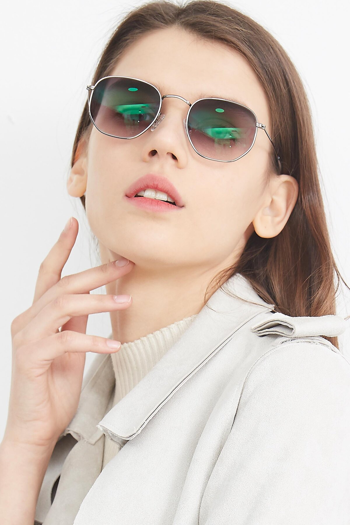 Women's lifestyle photography (portrait-1) of SSR1943 in Grey with Gray Gradient Lenses