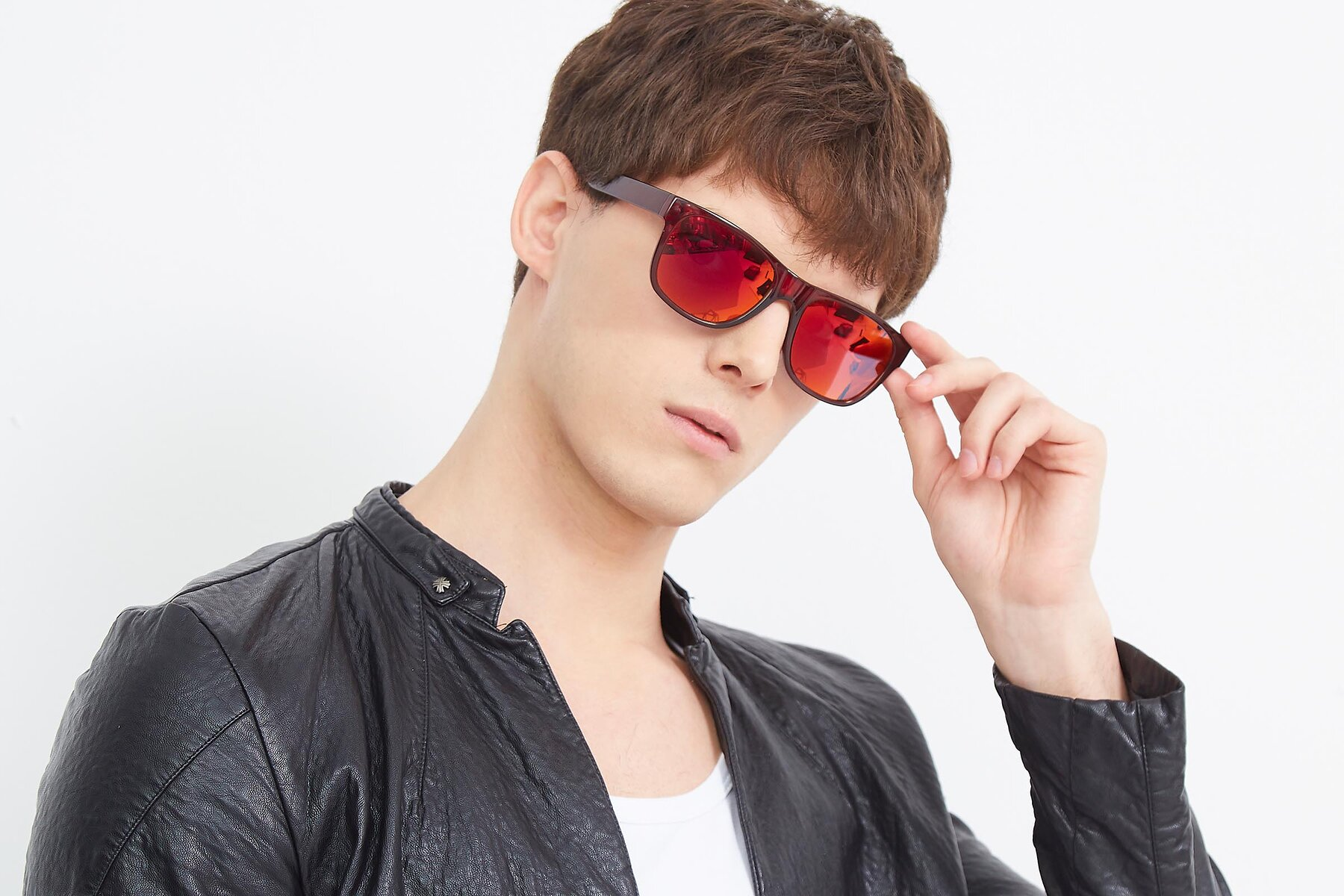 Men's lifestyle photography (landscape-1) of SSR213 in Wine with Red Gold Mirrored Lenses