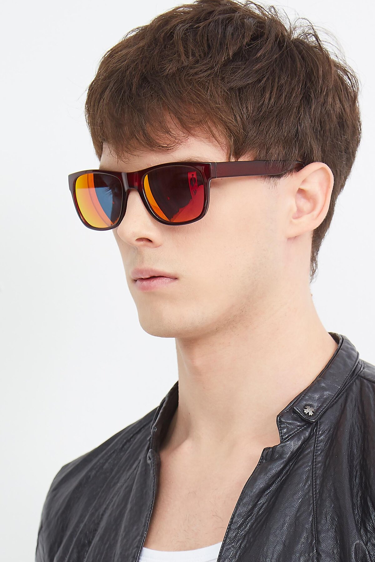Men's lifestyle photography (portrait-2) of SSR213 in Wine with Red Gold Mirrored Lenses