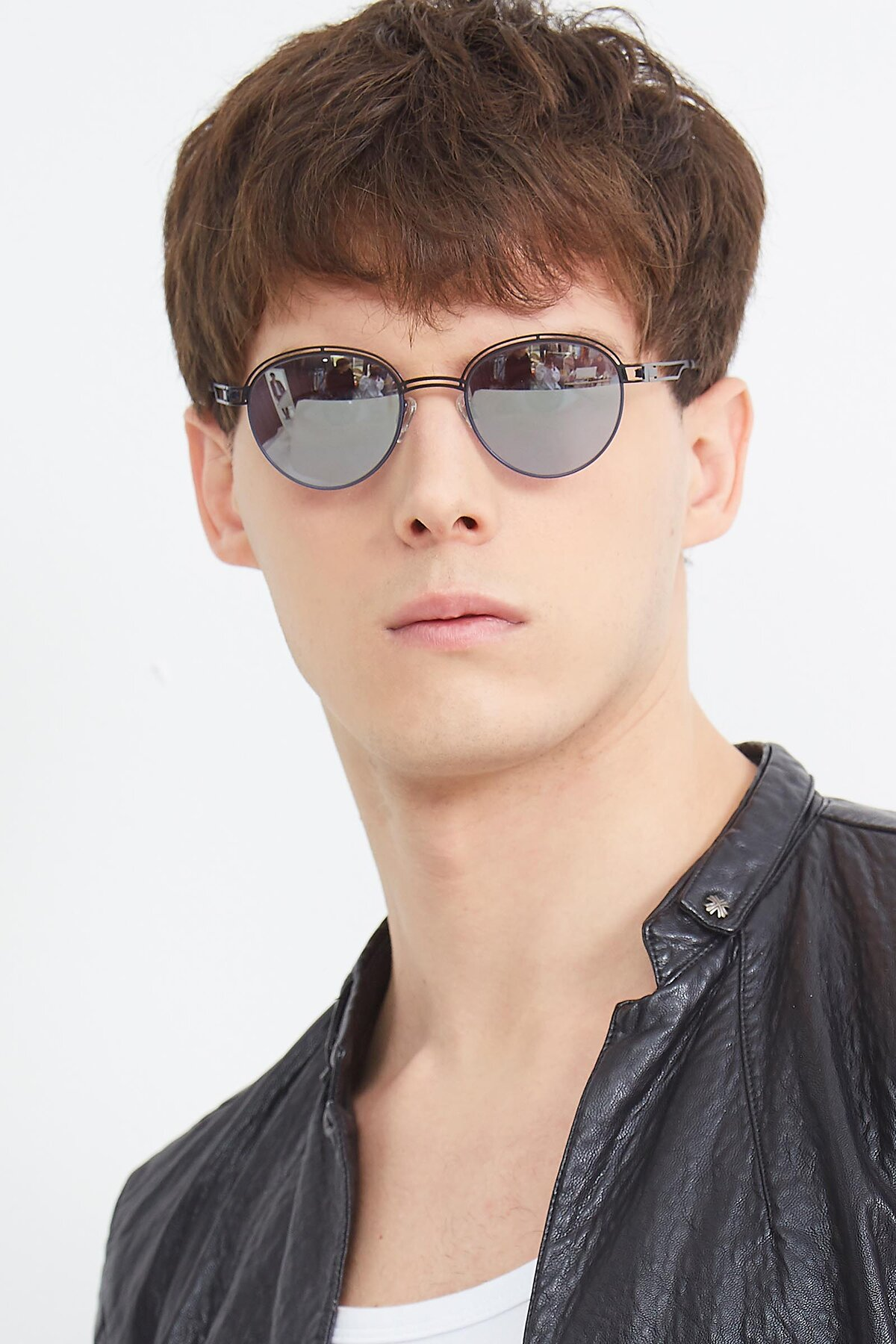 Men's lifestyle photography (portrait-1) of Marvel in Black-Blue with Silver Mirrored Lenses