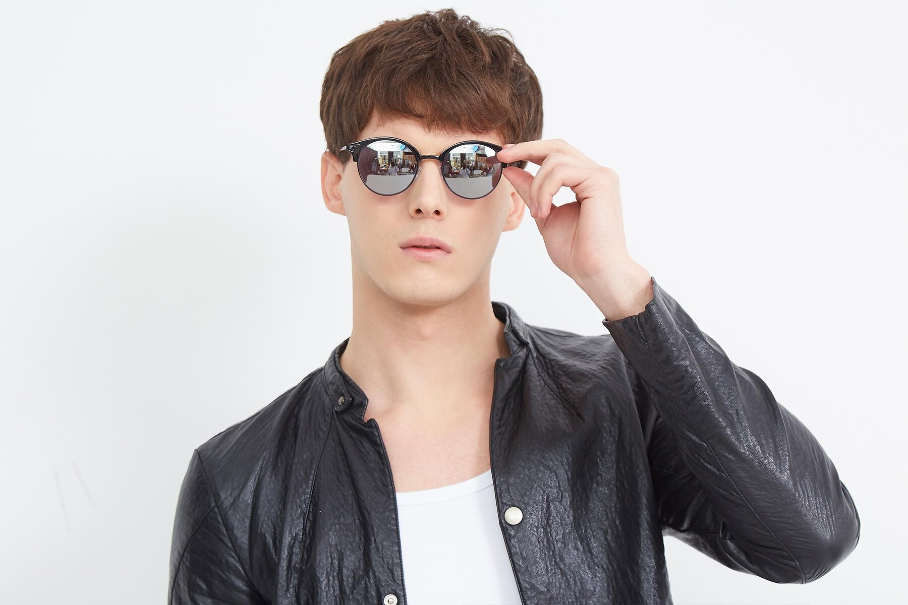 Men's lifestyle photography (landscape-1) of Hermione in Black with Silver Mirrored Lenses