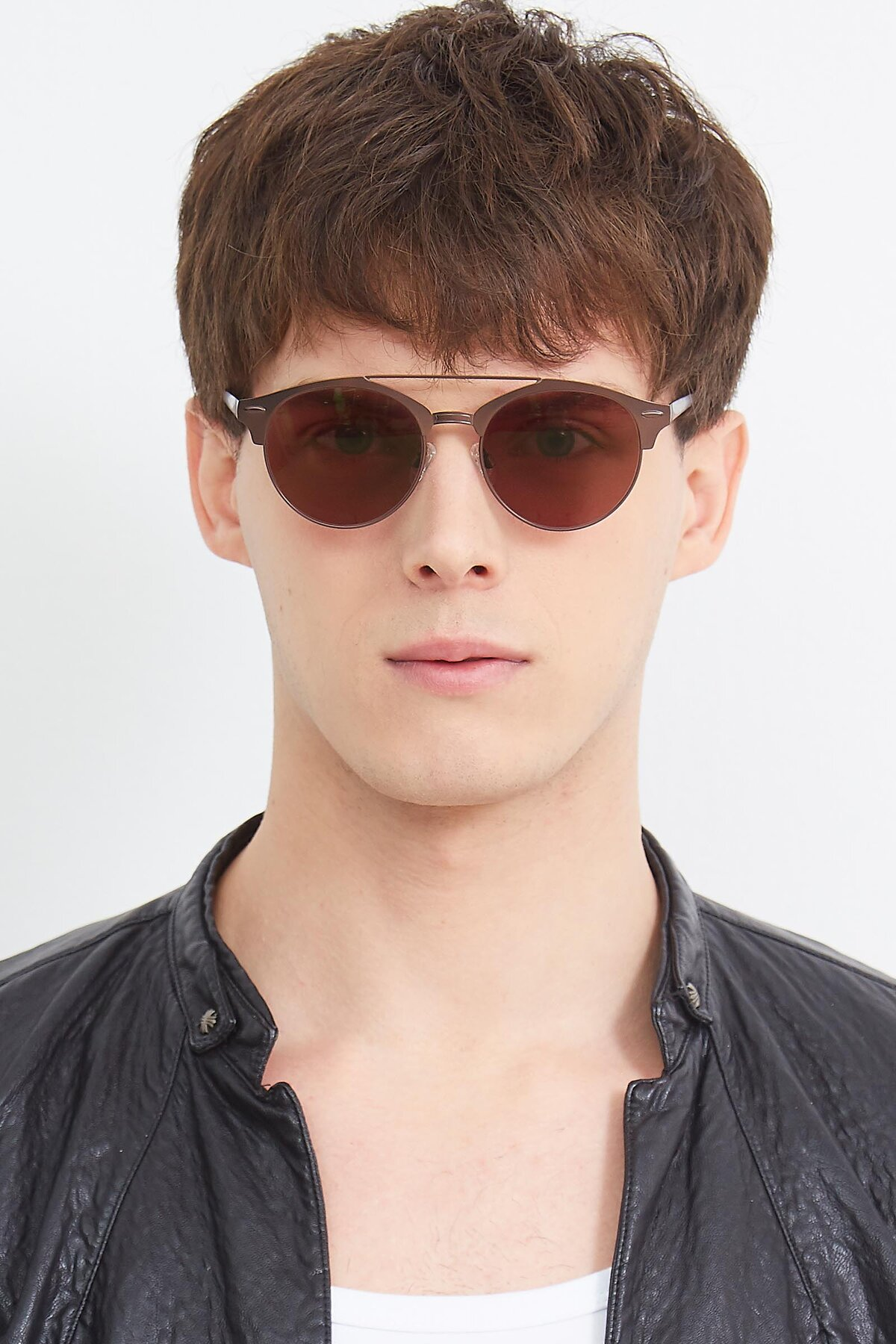 Men's lifestyle photography (portrait-1) of SSR183 in Chocolate with Brown Tinted Lenses