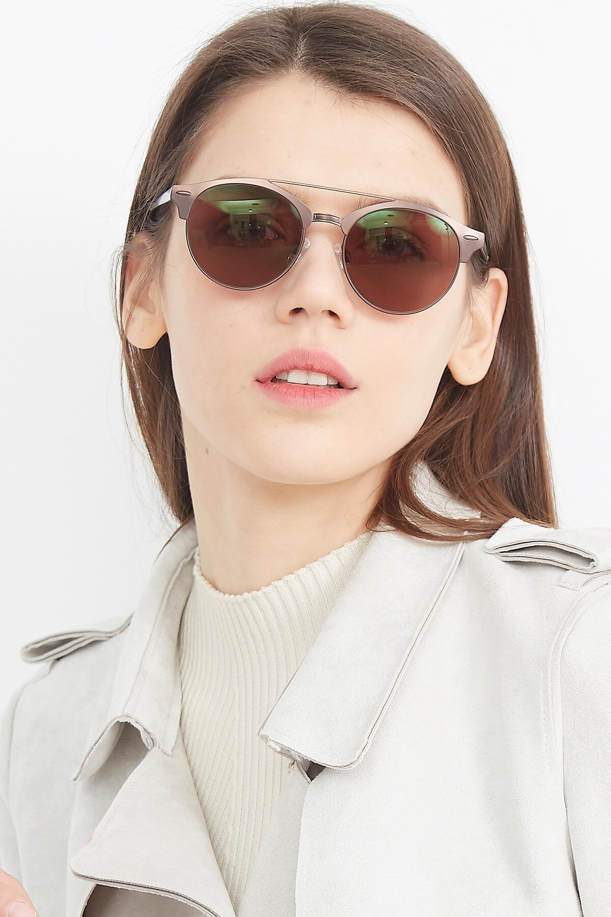 Women's lifestyle photography (portrait-1) of SSR183 in Chocolate with Brown Tinted Lenses