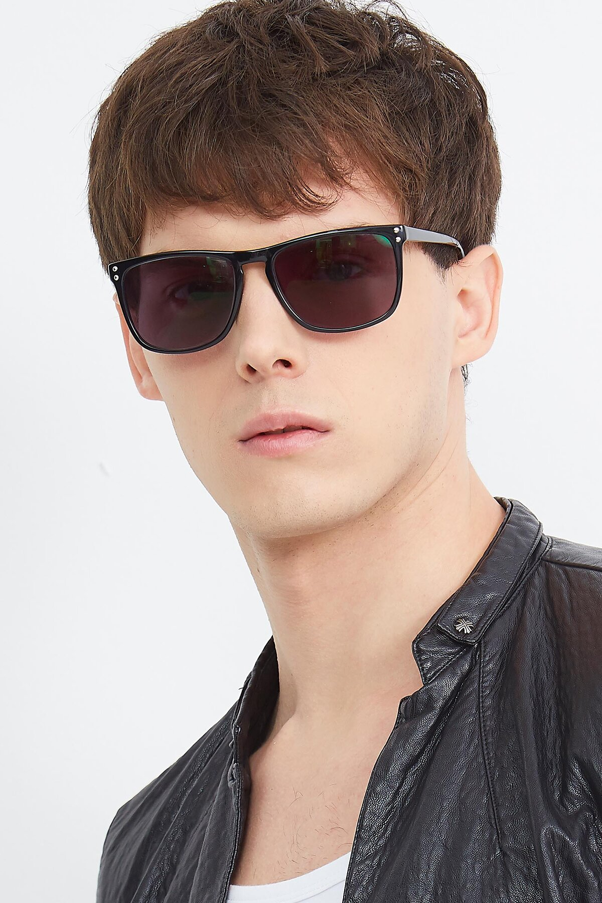 Men's lifestyle photography (portrait-1) of SSR411 in Black with Gray Tinted Lenses